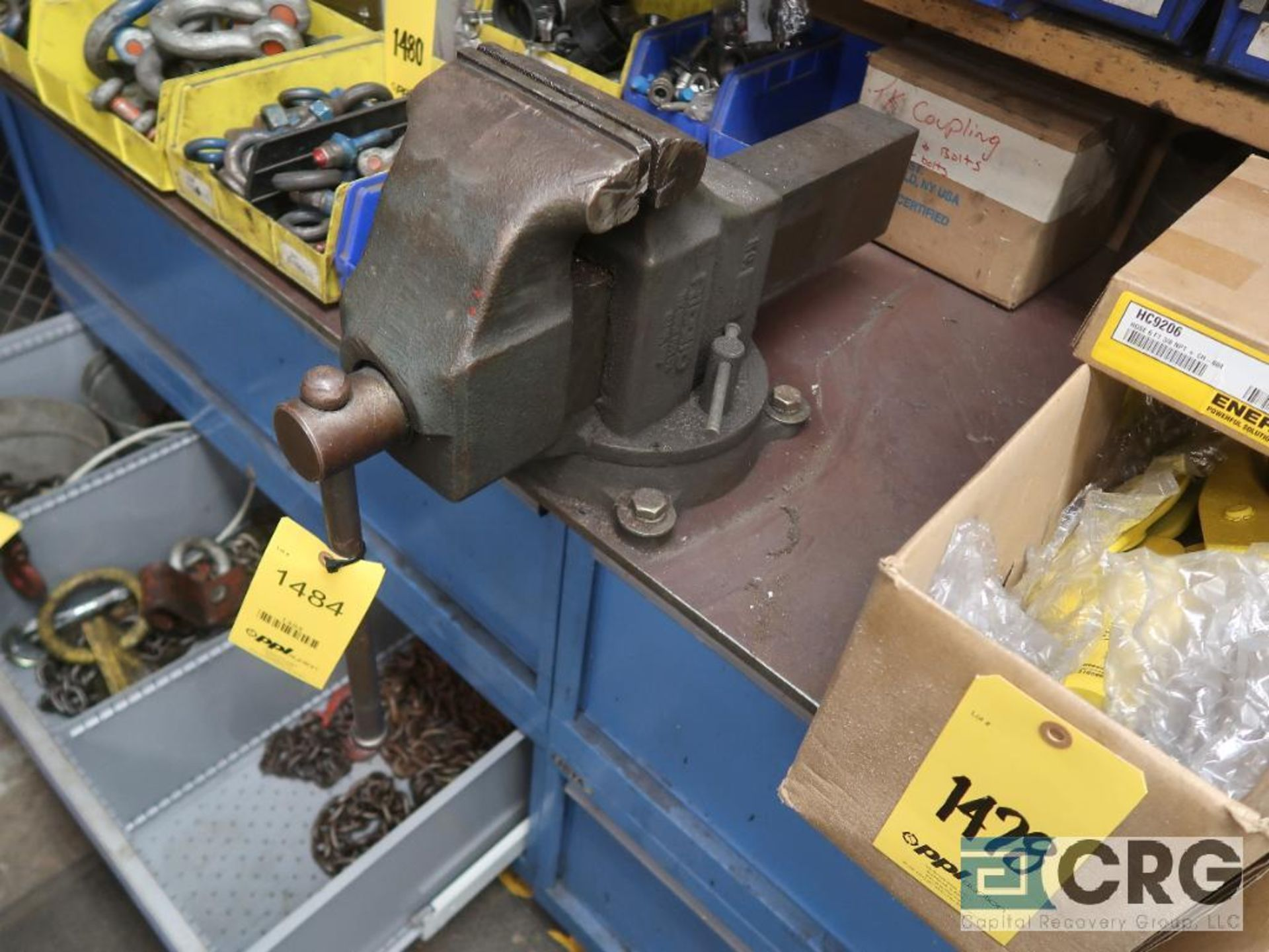Lista 6 drawer parts cabinet with vise (Basement Stores) - Image 3 of 3