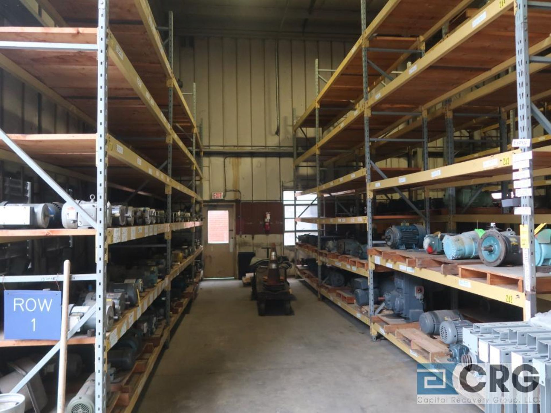 Lot of pallet racking including (29) sections as follows: (33) uprights, 17 ft. tall x 36 in. deept, - Image 3 of 8