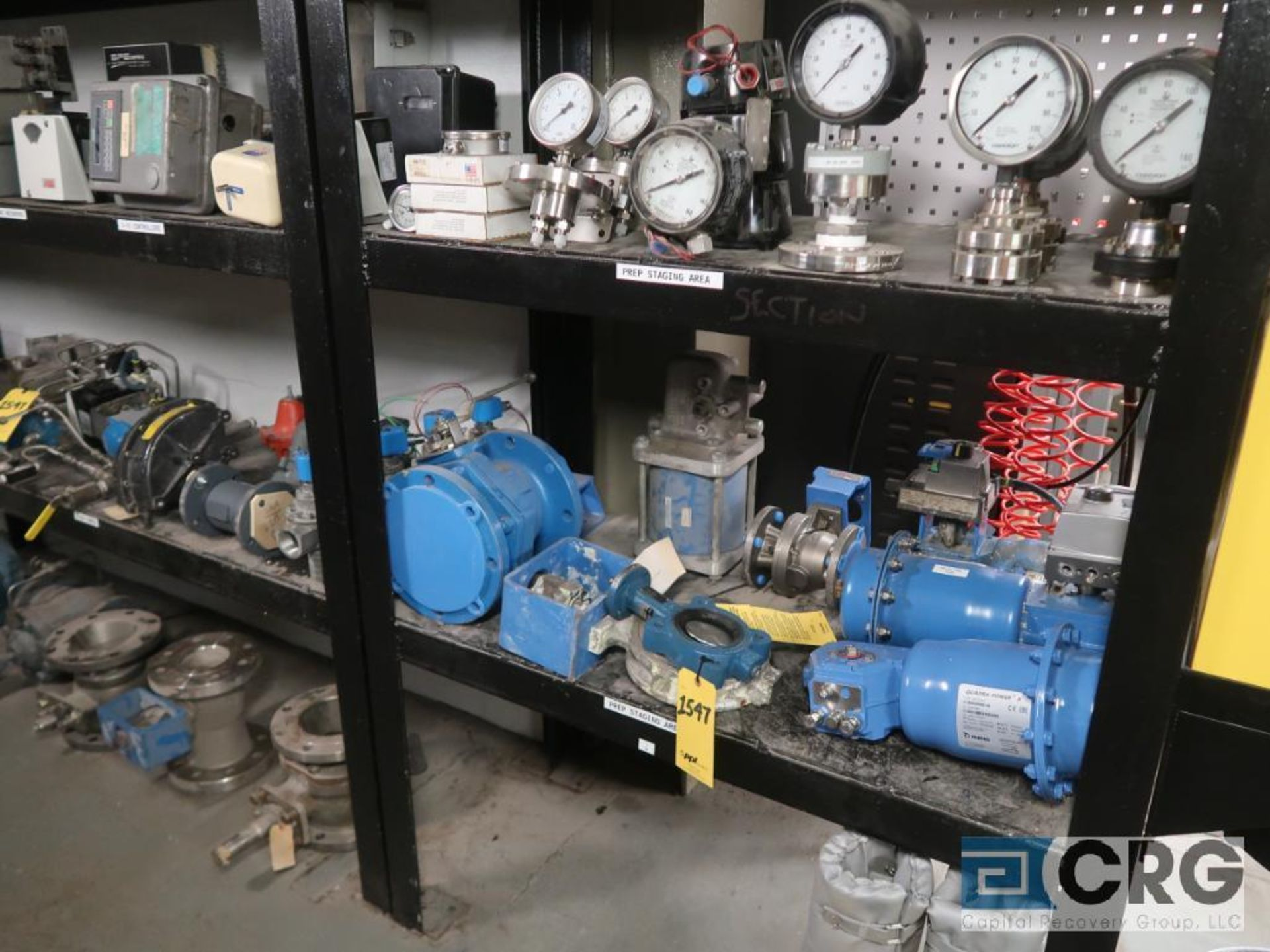 Lot of miscellaneous items including sensors, valves, calibrator, regulators, switches, - Image 4 of 5