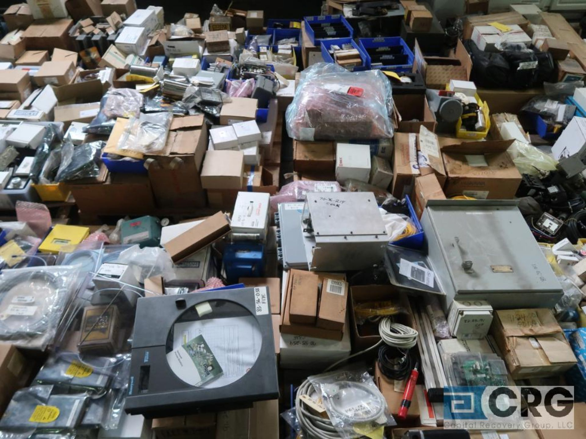Lot of assorted electrical automation on (32) pallets including modems, sensors, breakers, touch - Image 7 of 8