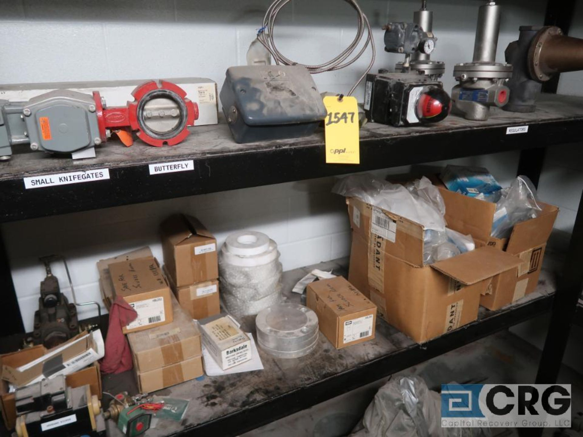 Lot of miscellaneous items including sensors, valves, calibrator, regulators, switches, - Image 2 of 5