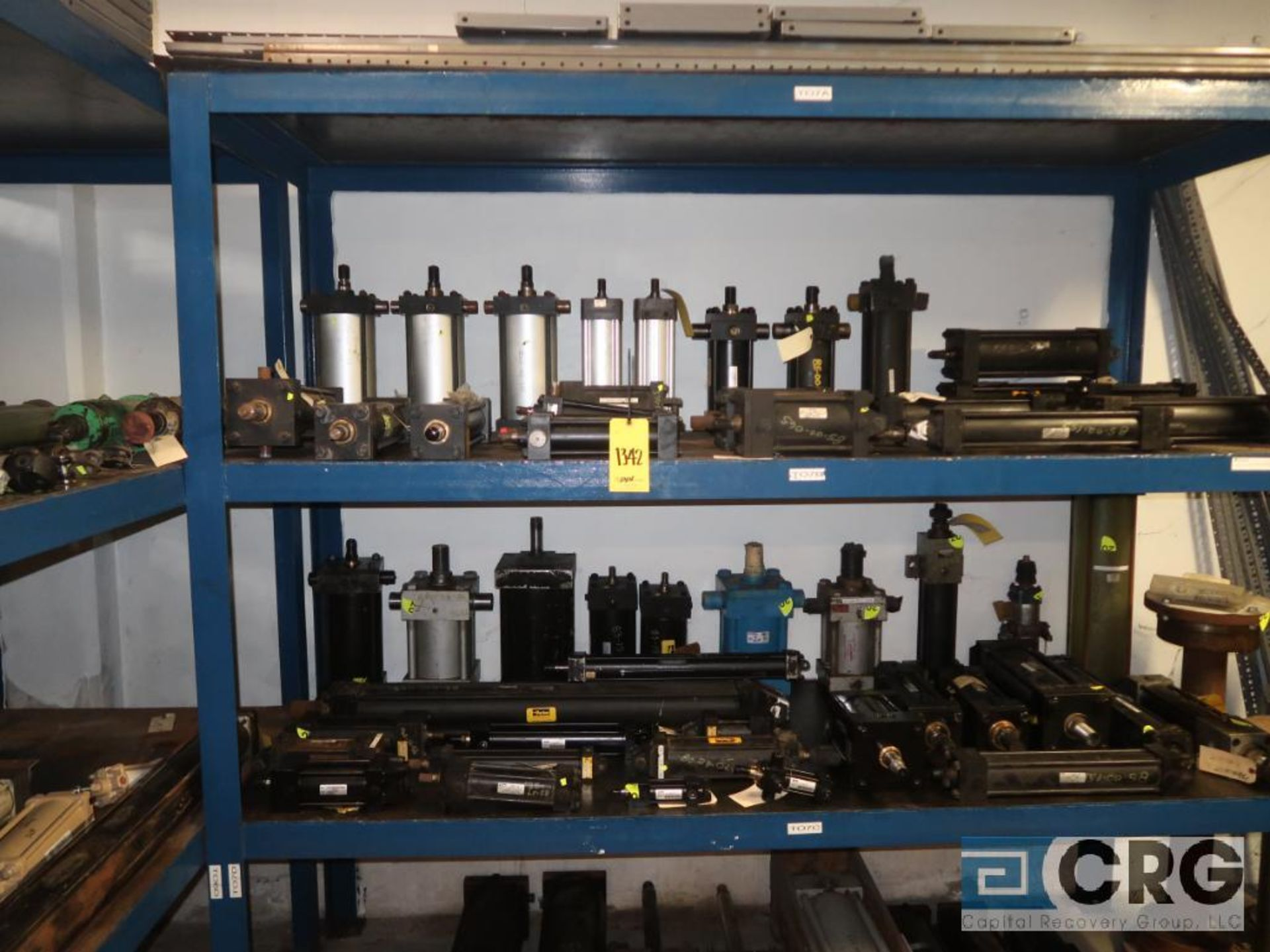 Lot of (8) pallets and (3) sections with assorted pneumatic and hydraulic cylinders (Store - Image 5 of 9