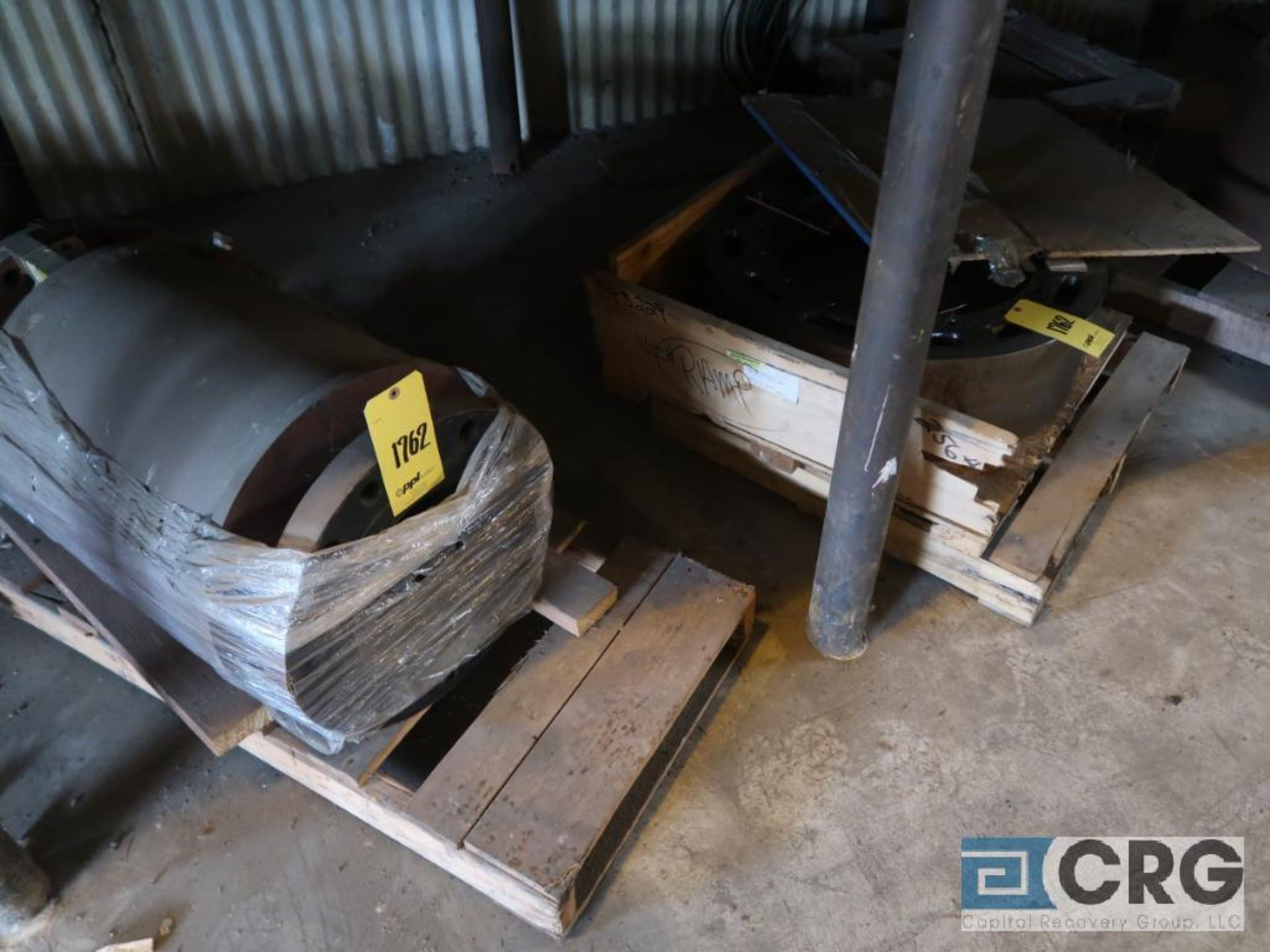 Lot of assorted motor, gear bearing housing, gear drive on metal rack (Next Bay Cage Area) - Image 10 of 16