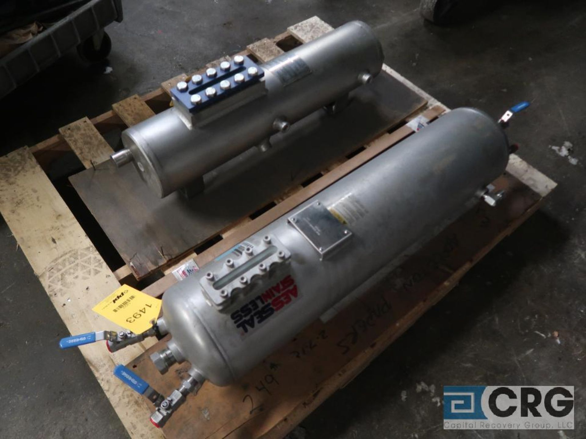 Lot of (2) stainless fluid reservoir tanks, (1) Aessteal SSE25, and (1) John Crane LMLF-