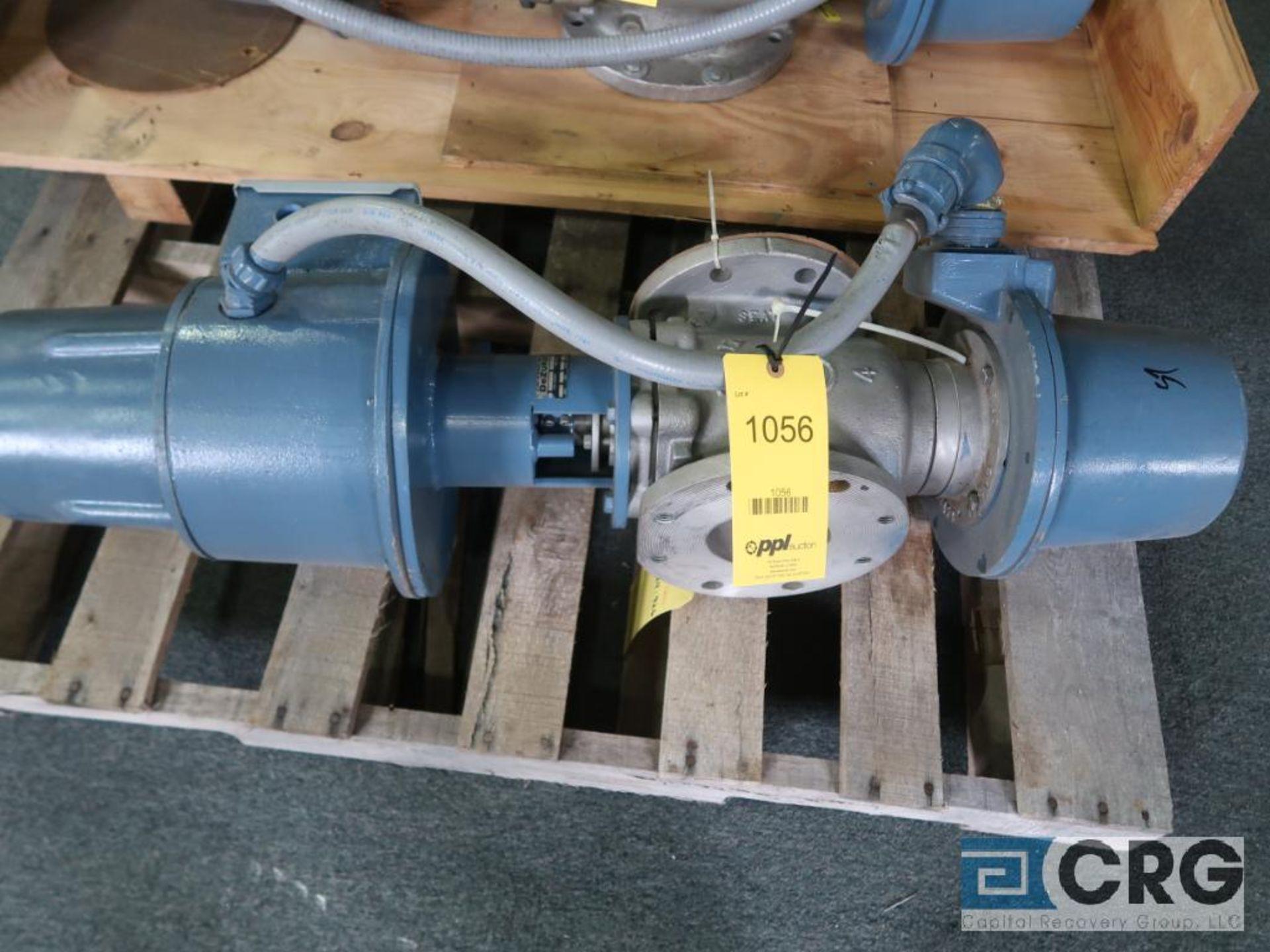 DeZurik stainless 4 in. actuator valve (Finish Building)