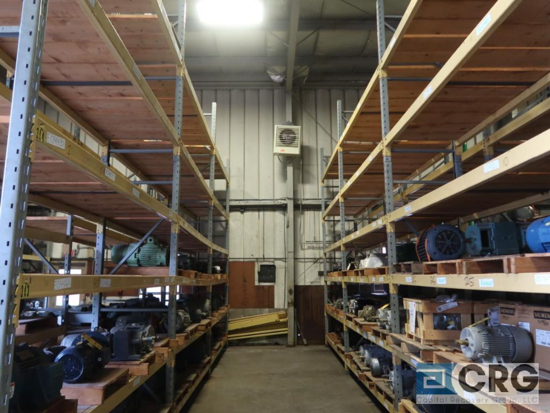 Lot of pallet racking including (29) sections as follows: (33) uprights, 17 ft. tall x 36 in. deept, - Image 5 of 8