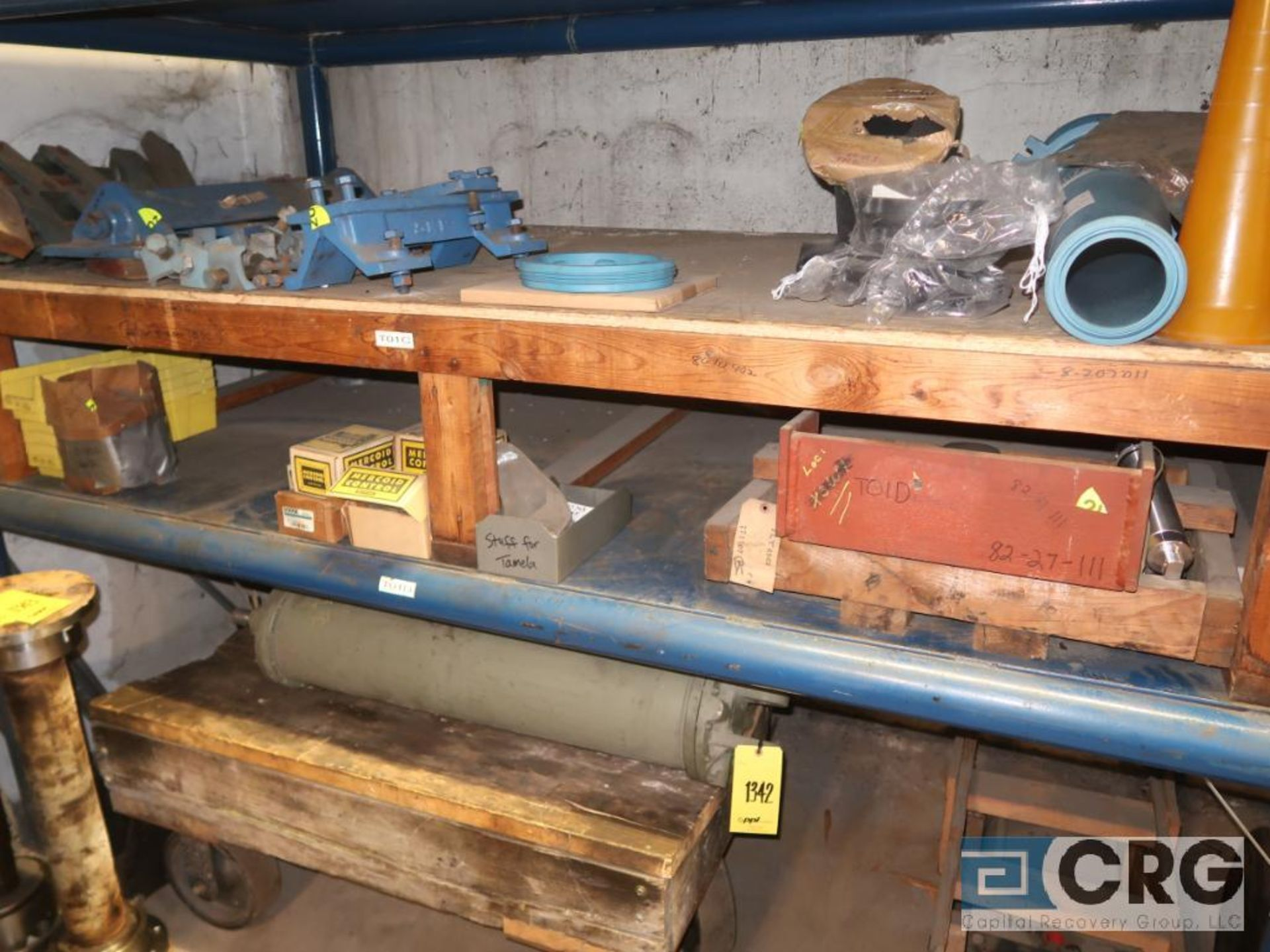 Lot of (8) pallets and (3) sections with assorted pneumatic and hydraulic cylinders (Store - Image 9 of 9