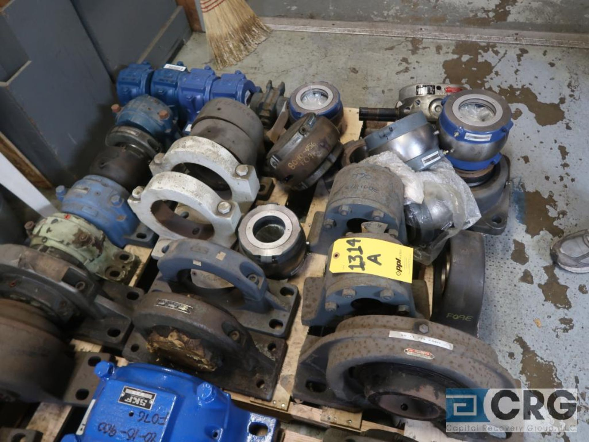Lot of assorted large bearings and pillow blocks on (6) pallets (Basement Store) - Image 4 of 8