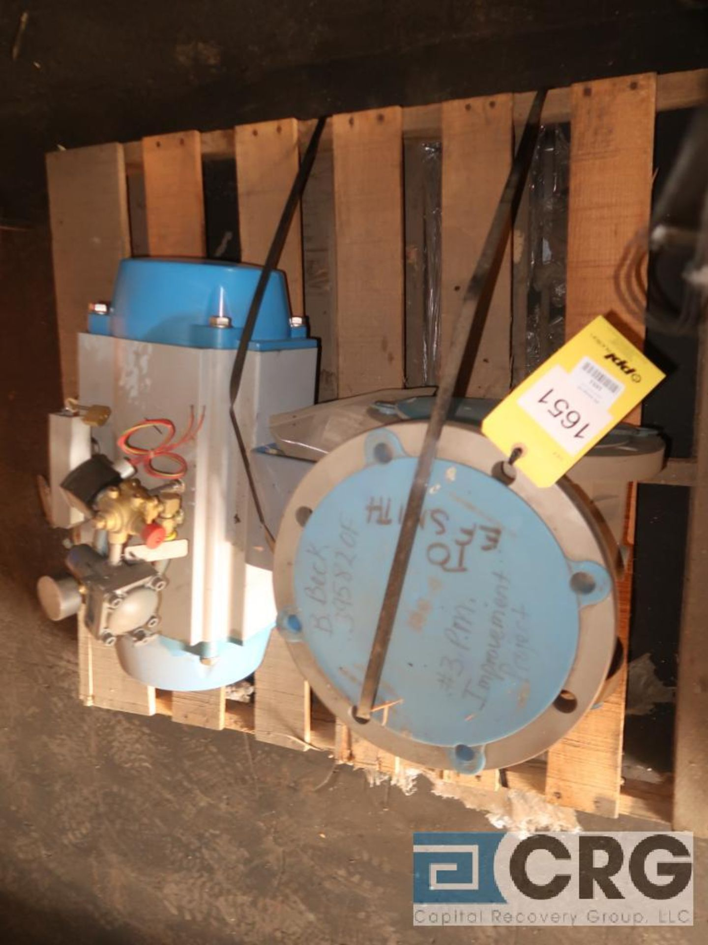 Jamesbury 8 in. stainless actuator ball valve (Off Site Warehouse)