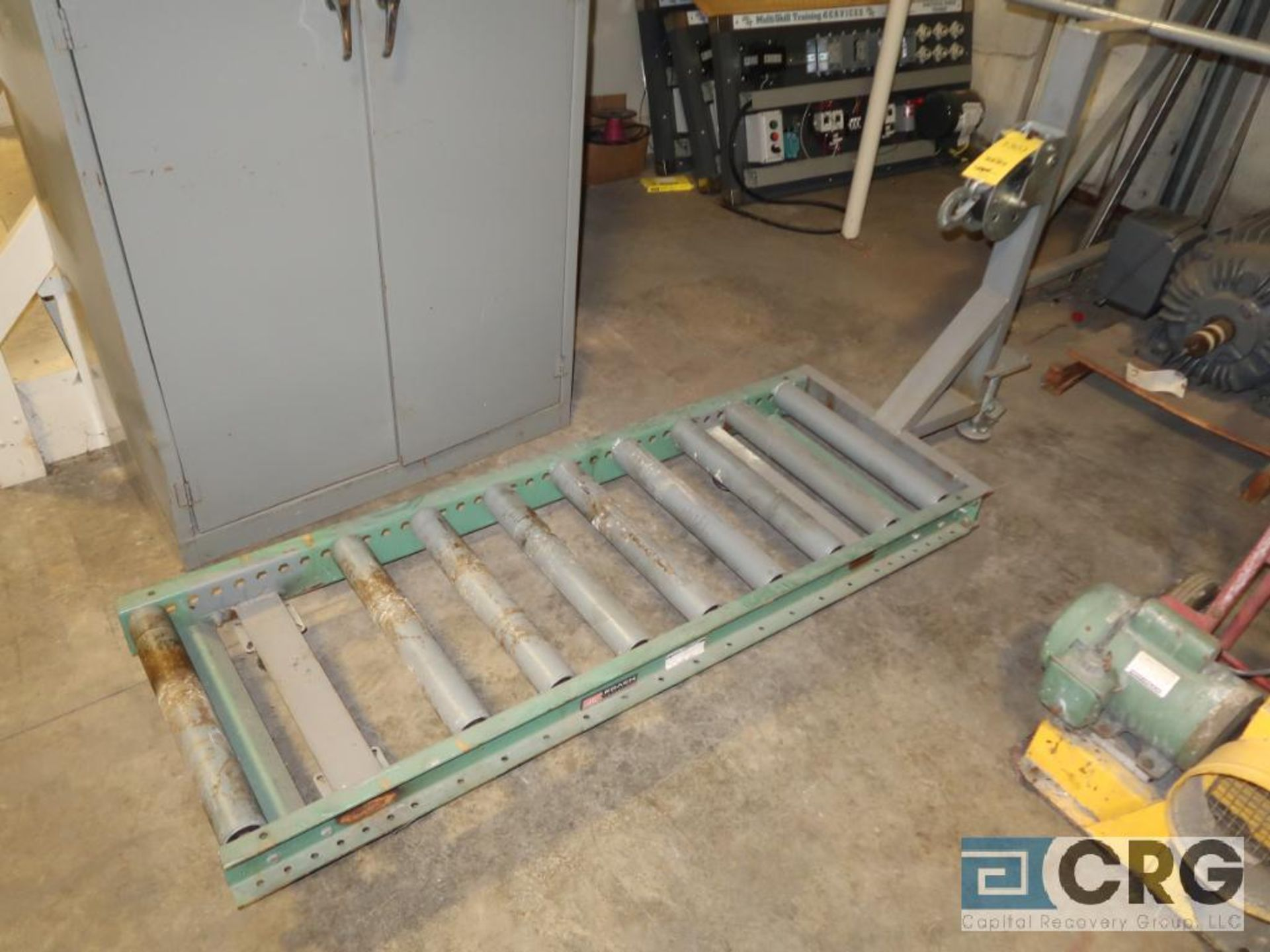 Roach 5 ft. box roller conveyor with manual pulley (Motor Building)