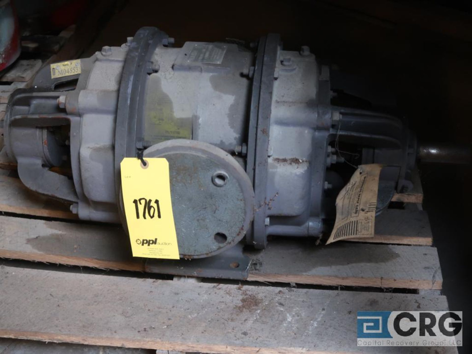 Lot of (2) Nash vacuum pumps, (1) CL 702, and (1) H-5 (Next Bay Cage Area) - Image 2 of 2