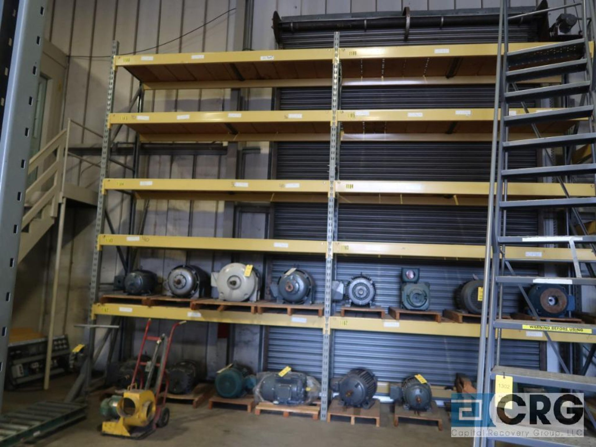 Lot of pallet racking including (29) sections as follows: (33) uprights, 17 ft. tall x 36 in. deept, - Image 7 of 8
