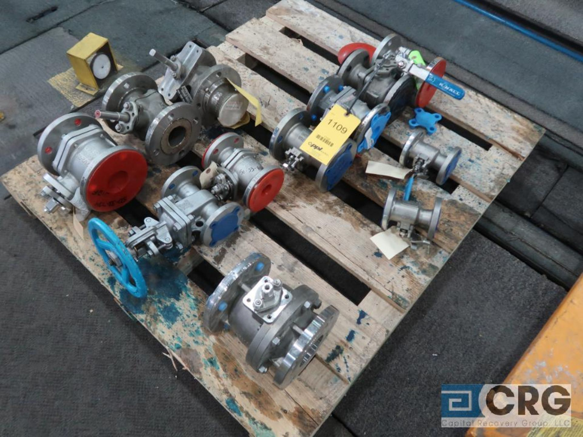 Lot of (10) assorted stainless ball valves, (1) 3 in., (3) 2 1/2 in., (2) 2 in., (2) 1 1/2 in.,