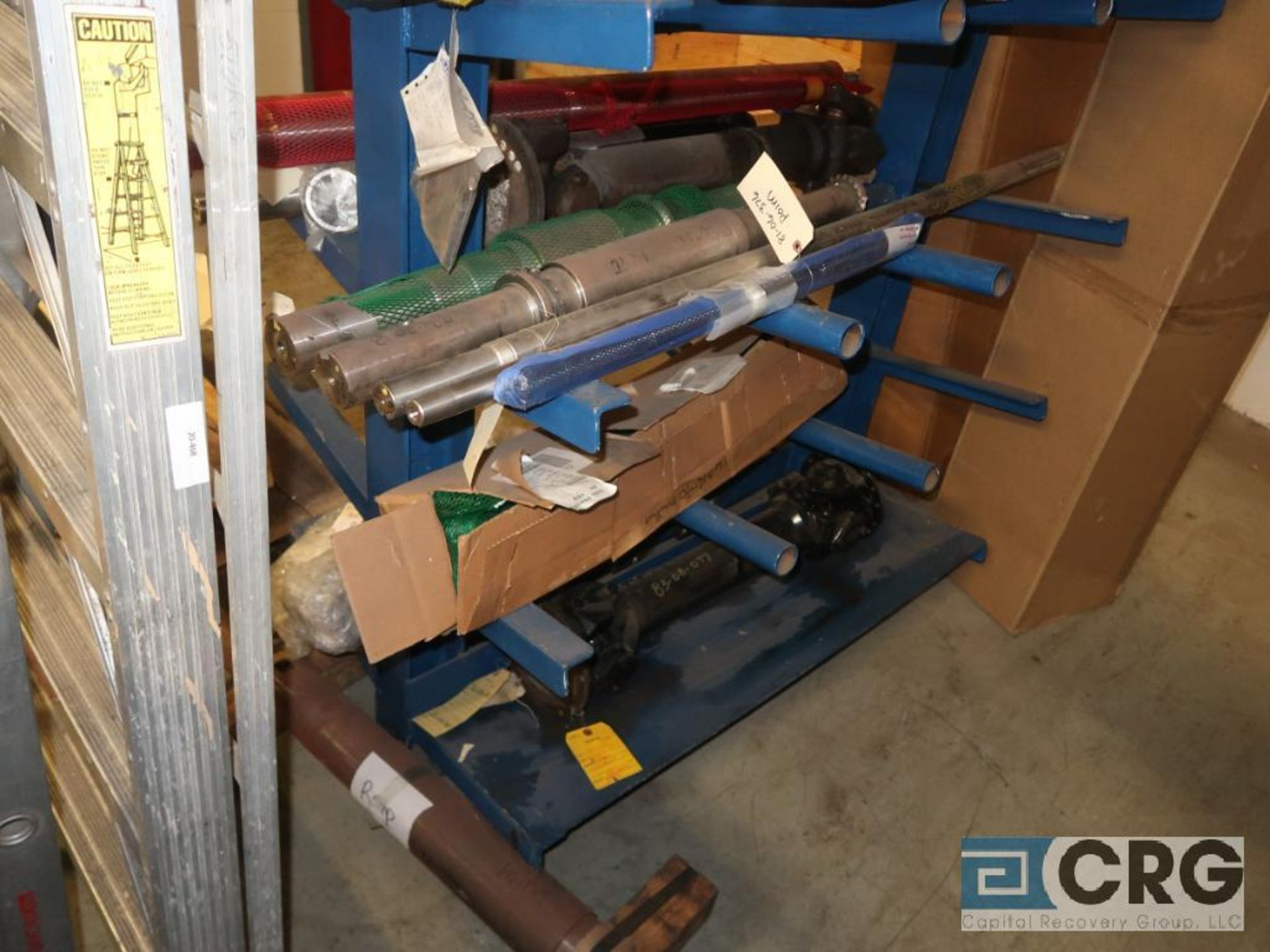 Lot of cantilever rack with drive shafts (Store Basement) - Image 2 of 3