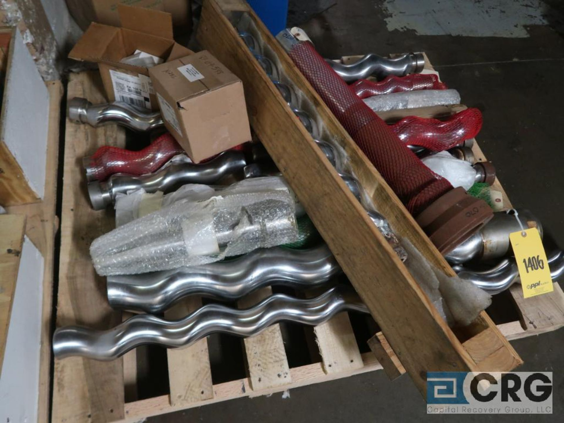 Lot of assorted Moyno pump parts on (4) pallets including gaskets, worm shafts, and seals ( - Image 3 of 4