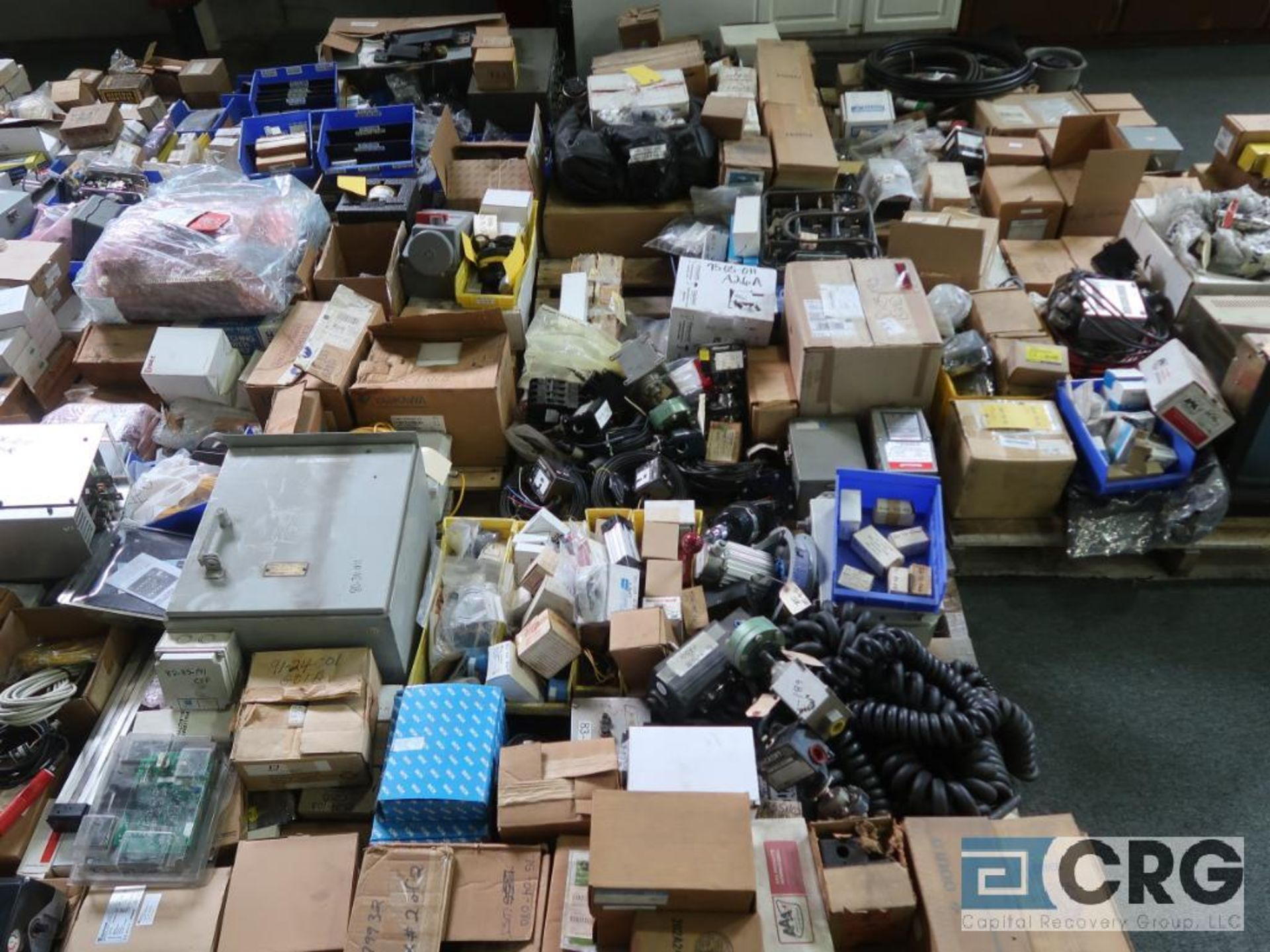 Lot of assorted electrical automation on (32) pallets including modems, sensors, breakers, touch - Image 8 of 8