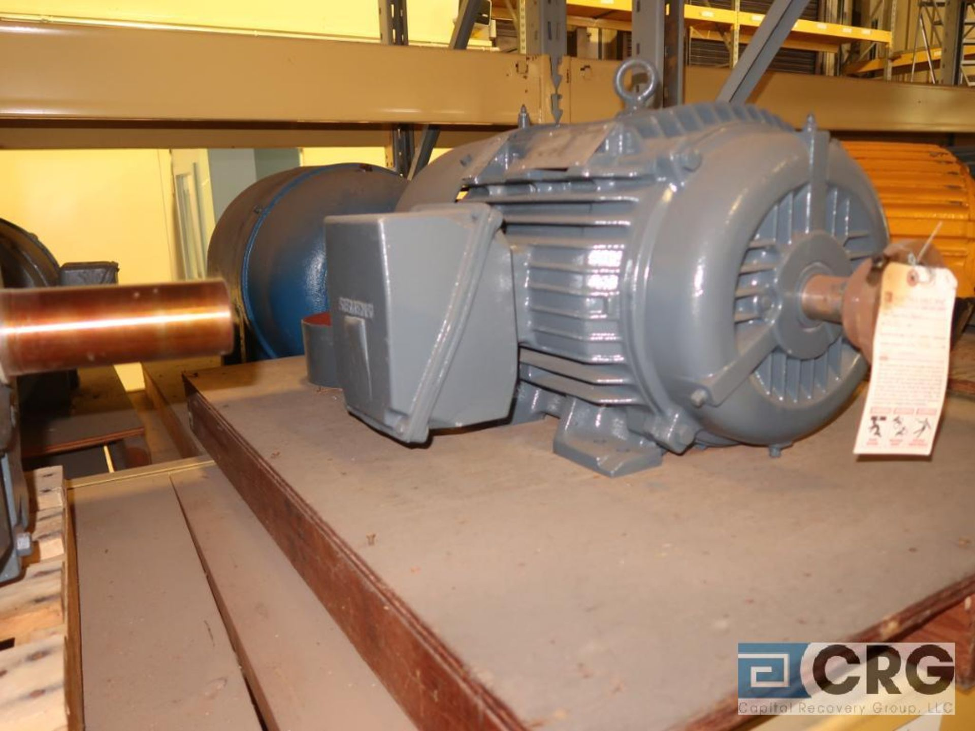 Lot of (29) assorted 15 HP, 10 HP, and 7.5 HP motors on (7) shelves, some with gear drives (Motor - Image 9 of 11