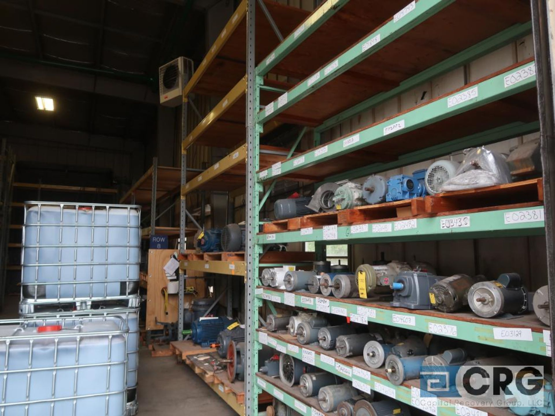Lot of pallet racking including (29) sections as follows: (33) uprights, 17 ft. tall x 36 in. deept, - Image 2 of 8