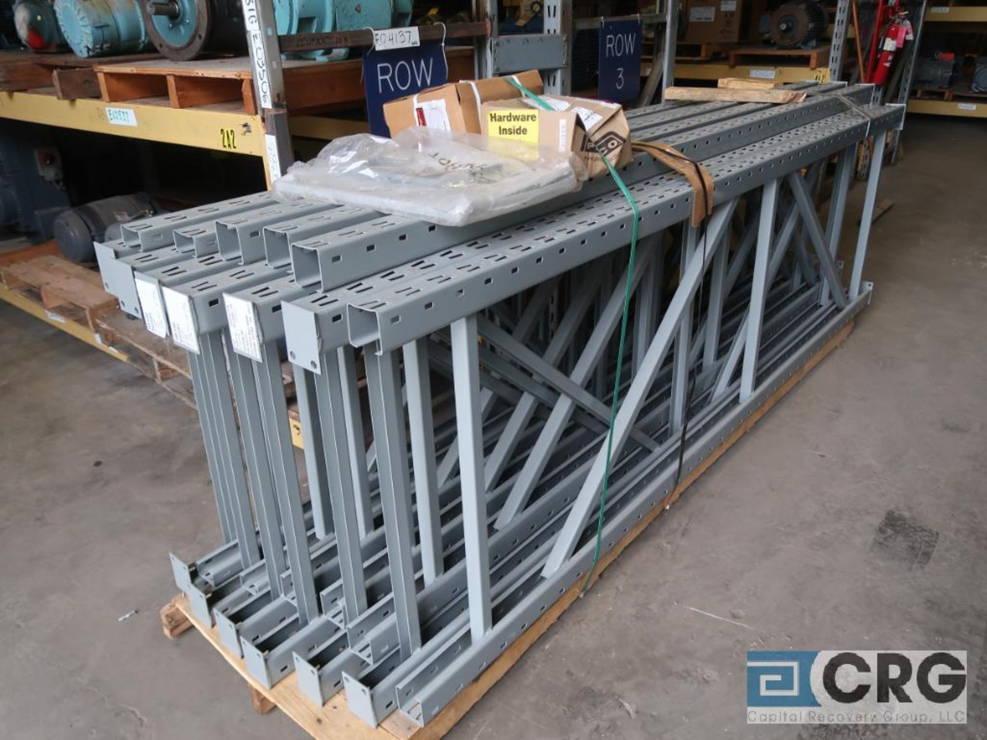 Lot of pallet racking including (29) sections as follows: (33) uprights, 17 ft. tall x 36 in. deept, - Image 4 of 8
