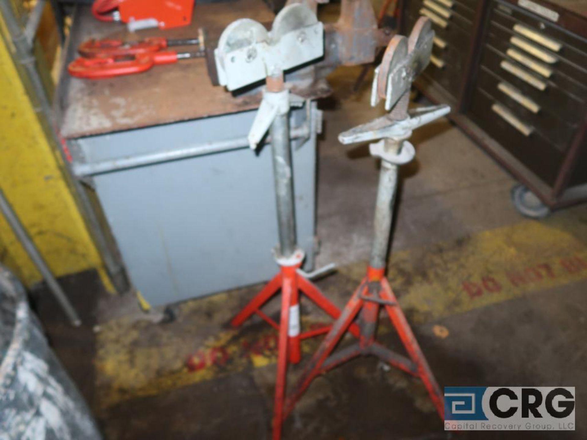 Lot of Ridgid threading tools including (1) model 600 electric handheld, (1) manual set, (4) - Image 4 of 4