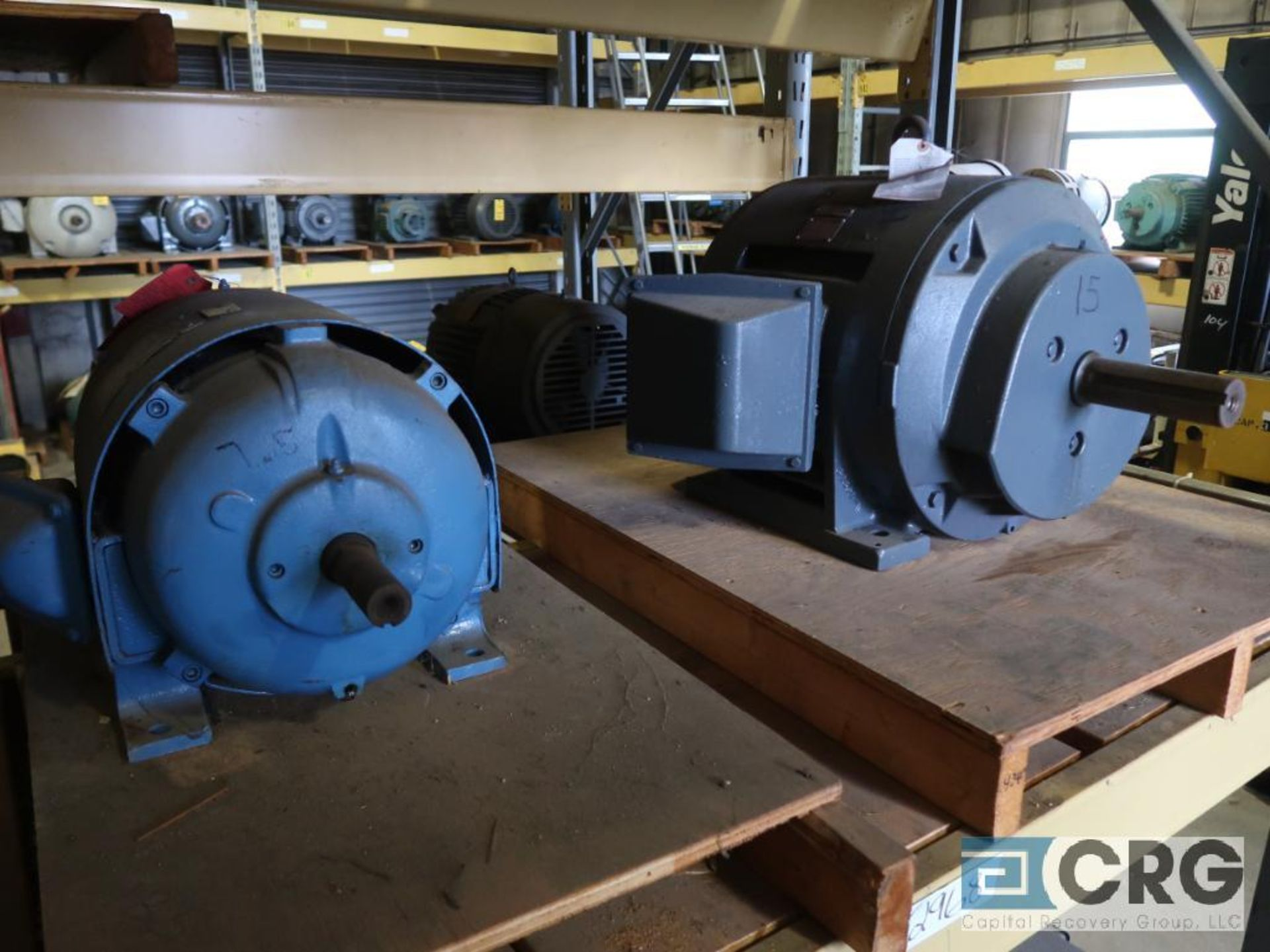 Lot of (29) assorted 15 HP, 10 HP, and 7.5 HP motors on (7) shelves, some with gear drives (Motor - Image 2 of 11