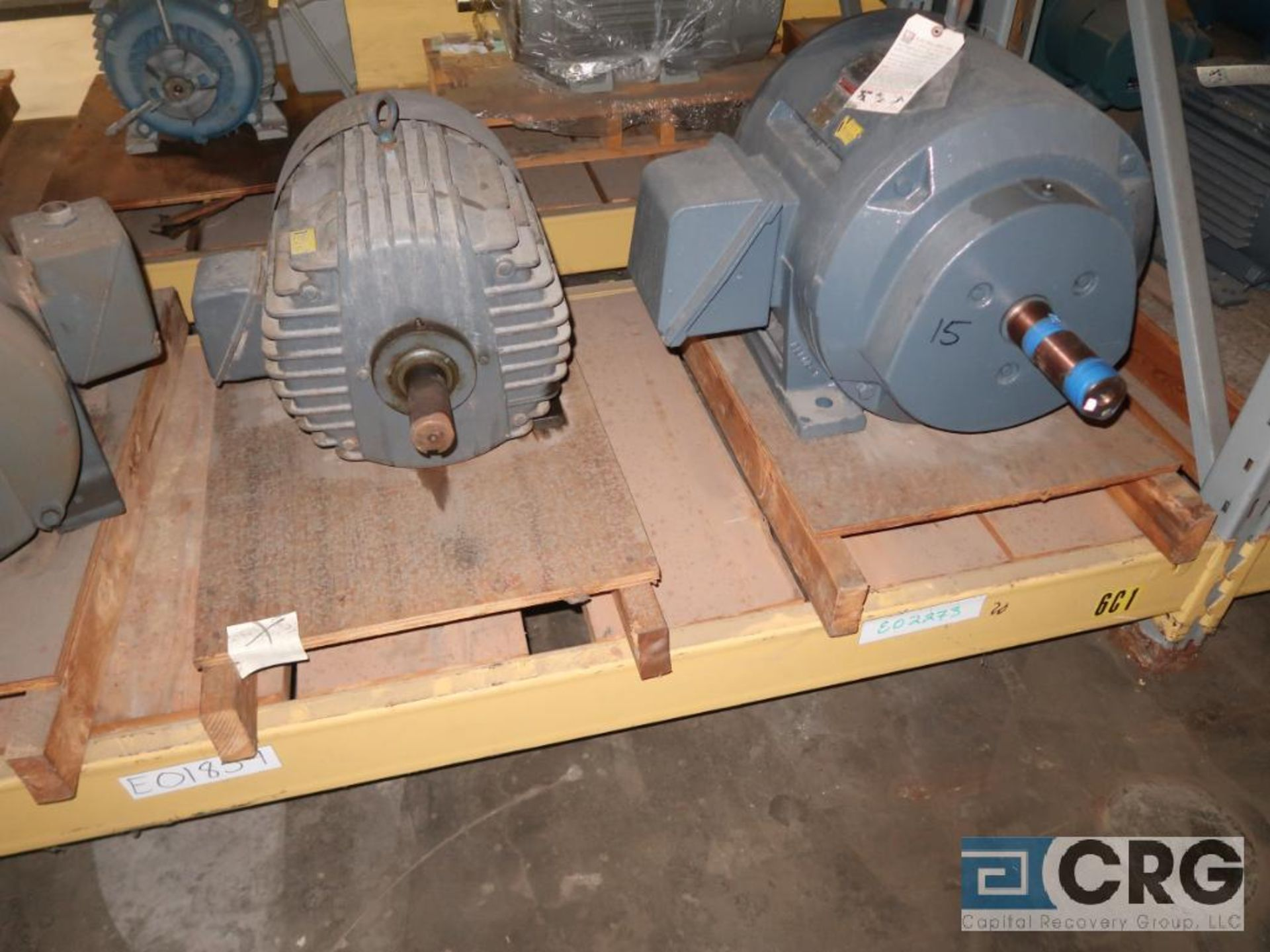 Lot of (29) assorted 15 HP, 10 HP, and 7.5 HP motors on (7) shelves, some with gear drives (Motor - Image 10 of 11
