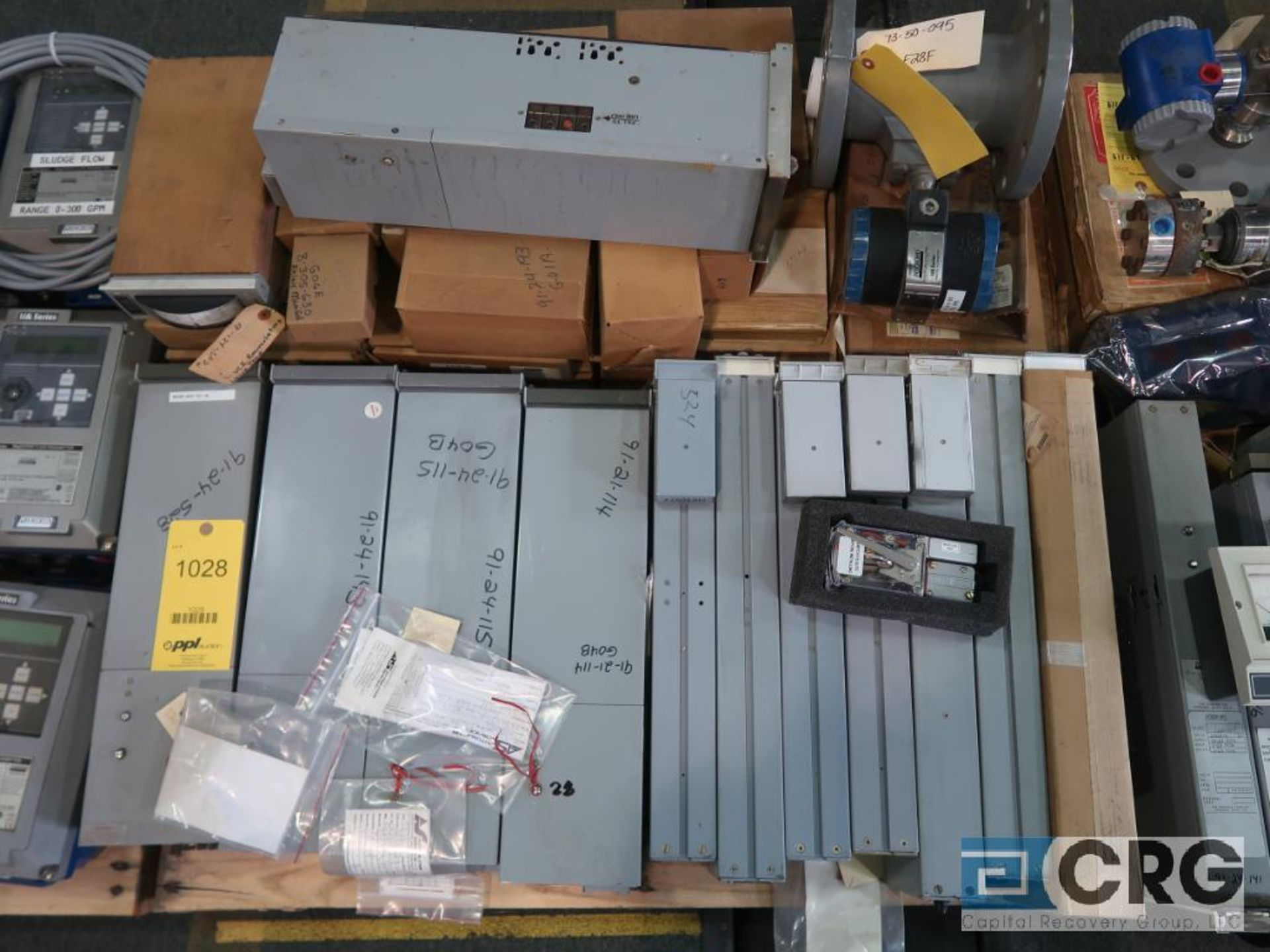 Lot of Foxboro instrumentation on (3) pallets including sensors, recorders, touch screen, and modems - Image 3 of 4