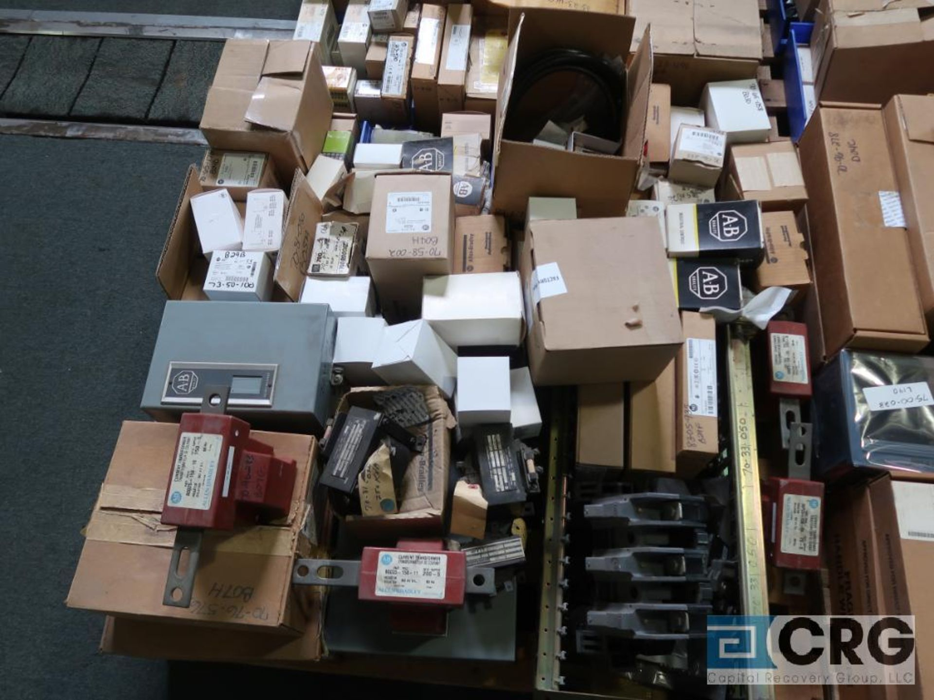 Lot of assorted Allen Bradley electrical automation on (13) pallets including sensors, relays, SLC - Image 9 of 12