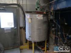 36 in. dia. X 45 in. H 304 stainless steel jacketed mixing tank, 275 GAL. with Lightning mixer (