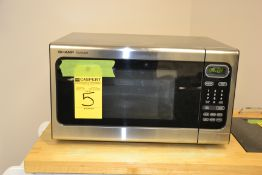 Sharpe Carousel Microwave Oven