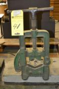 LOT - Pipe Clamp Vise