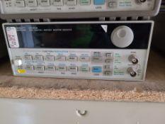 HP 33120A FUNCTION / ARBITRARY WAVEFORM GENERATOR