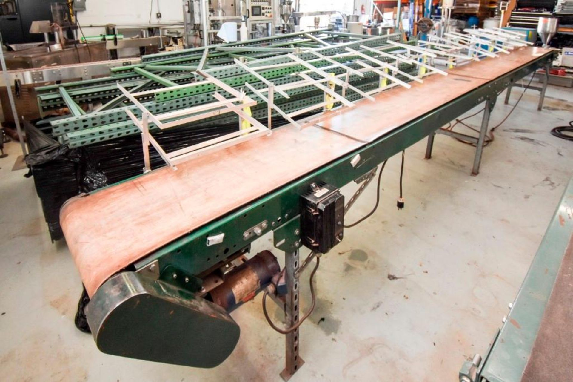Conveyor with Case Holders - Image 11 of 16
