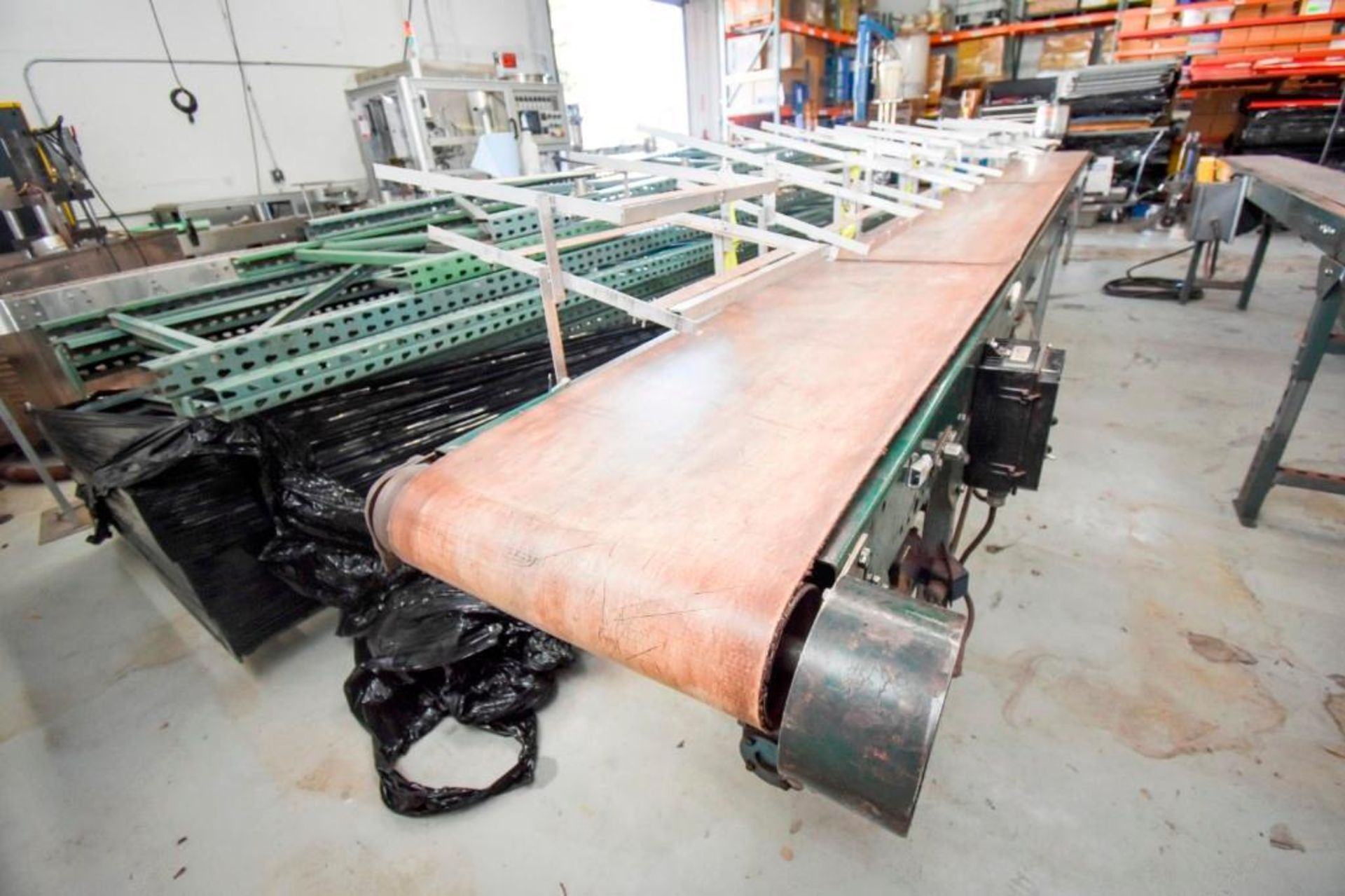 Conveyor with Case Holders - Image 15 of 16