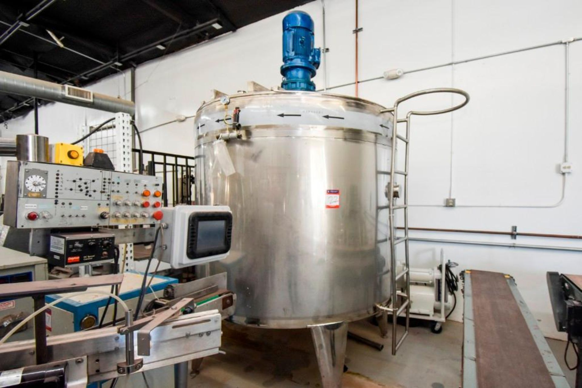 Large Jacketed Mixing Tank 1000 Gallon - Image 2 of 16