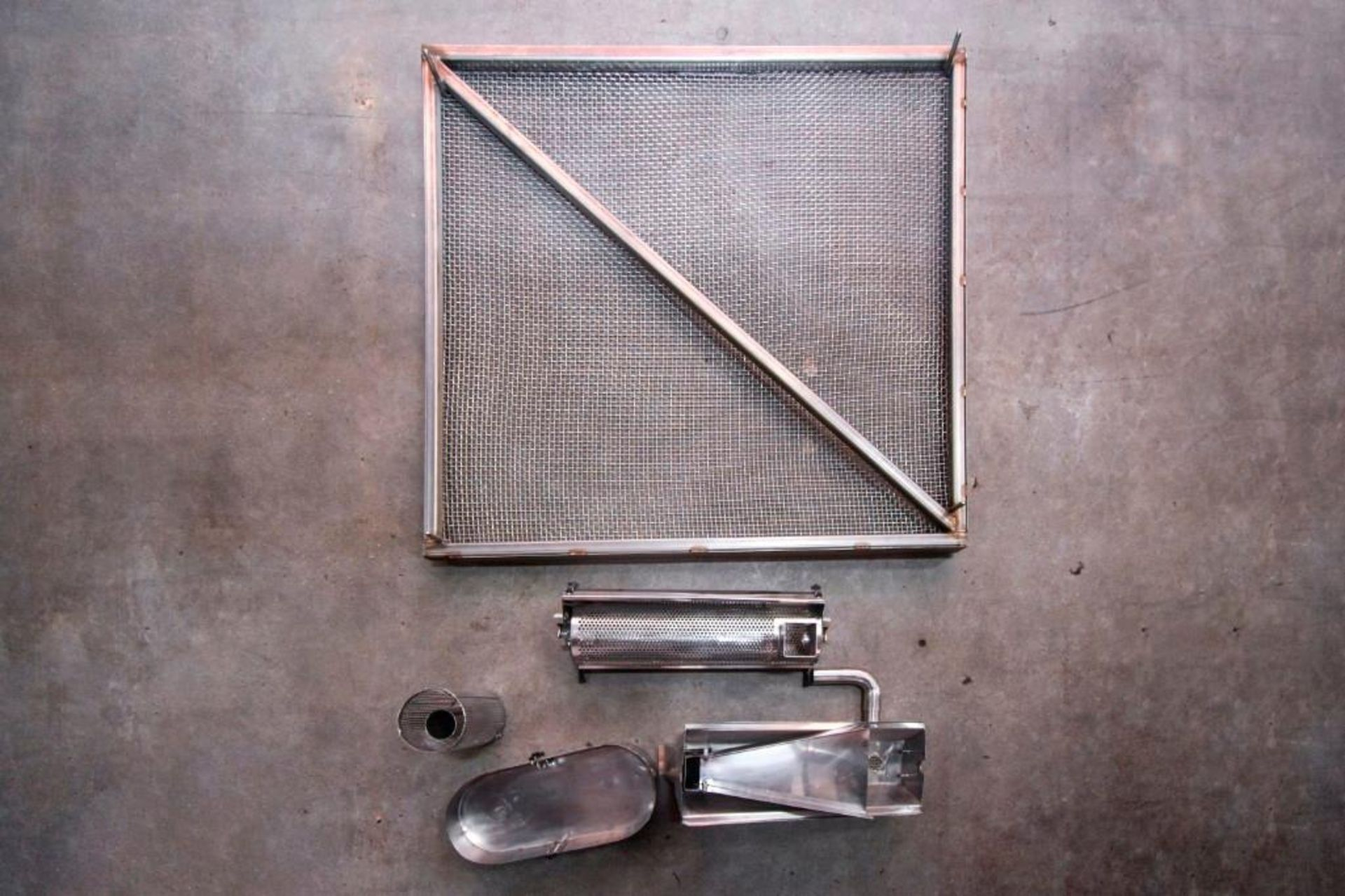 Screen and parts for Hopper and capsule deduster - Image 11 of 11