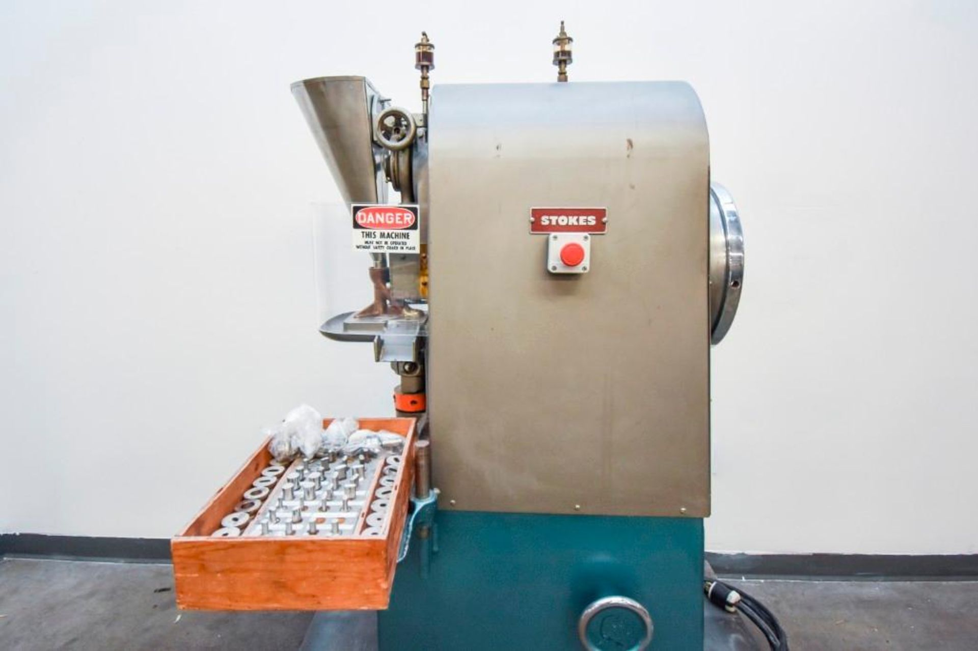 Stokes Single Punch Tablet Press with Tooling - Image 15 of 20