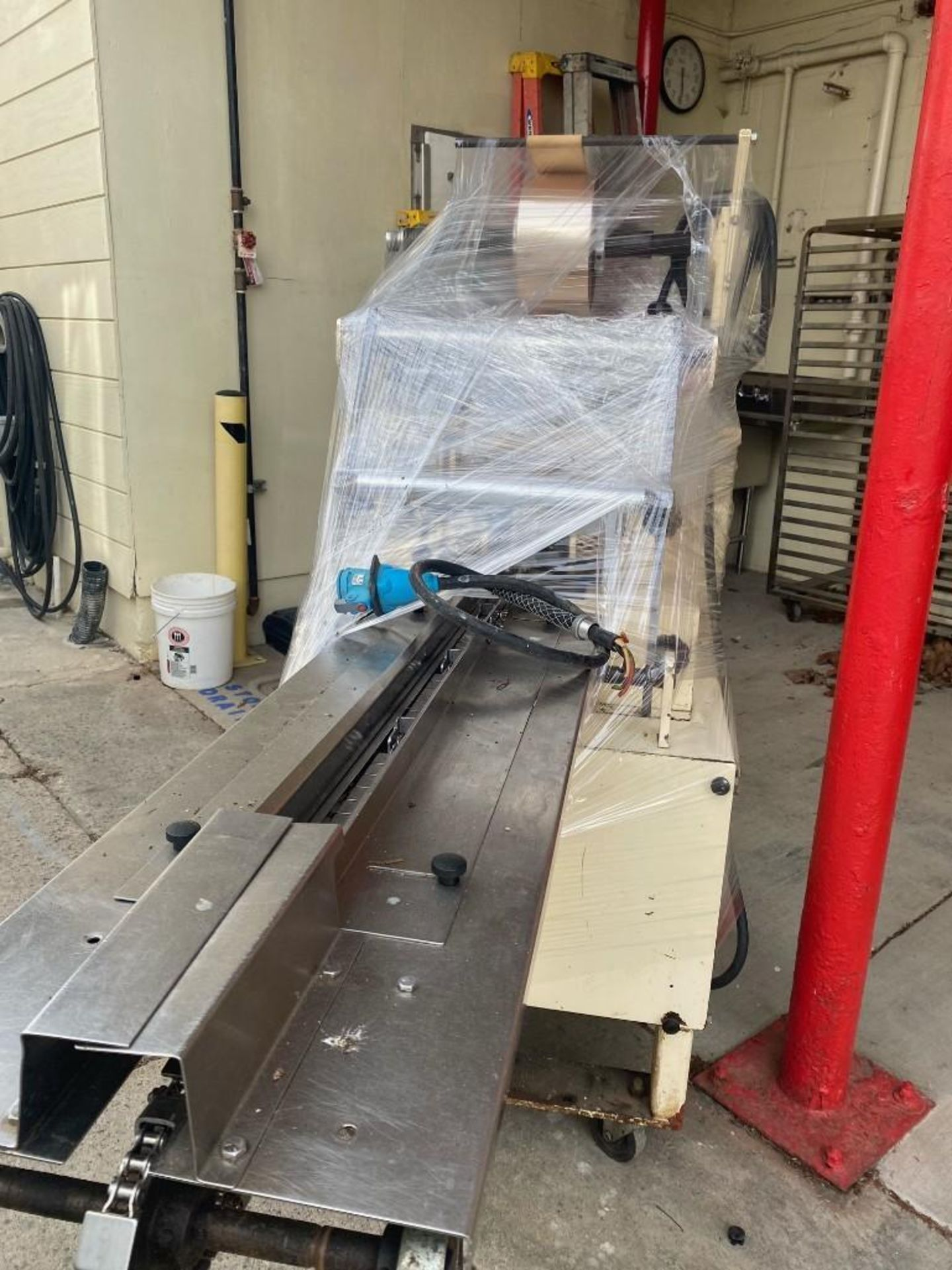 Doboy Packaging Machinery Scotty Flow wrapper - Image 3 of 4