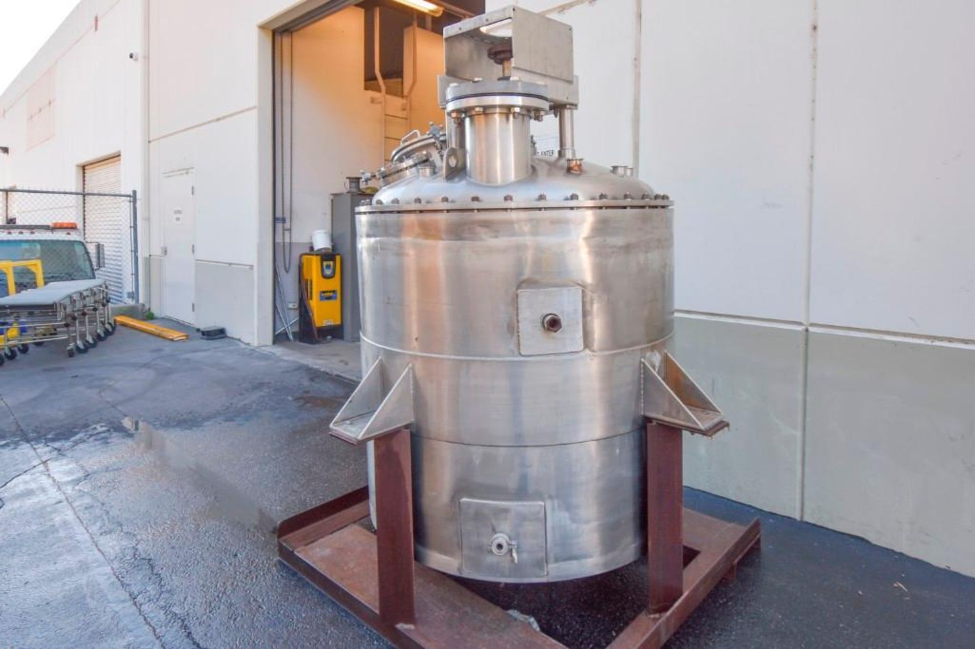 Jacketed Mixing Tank - Image 3 of 21
