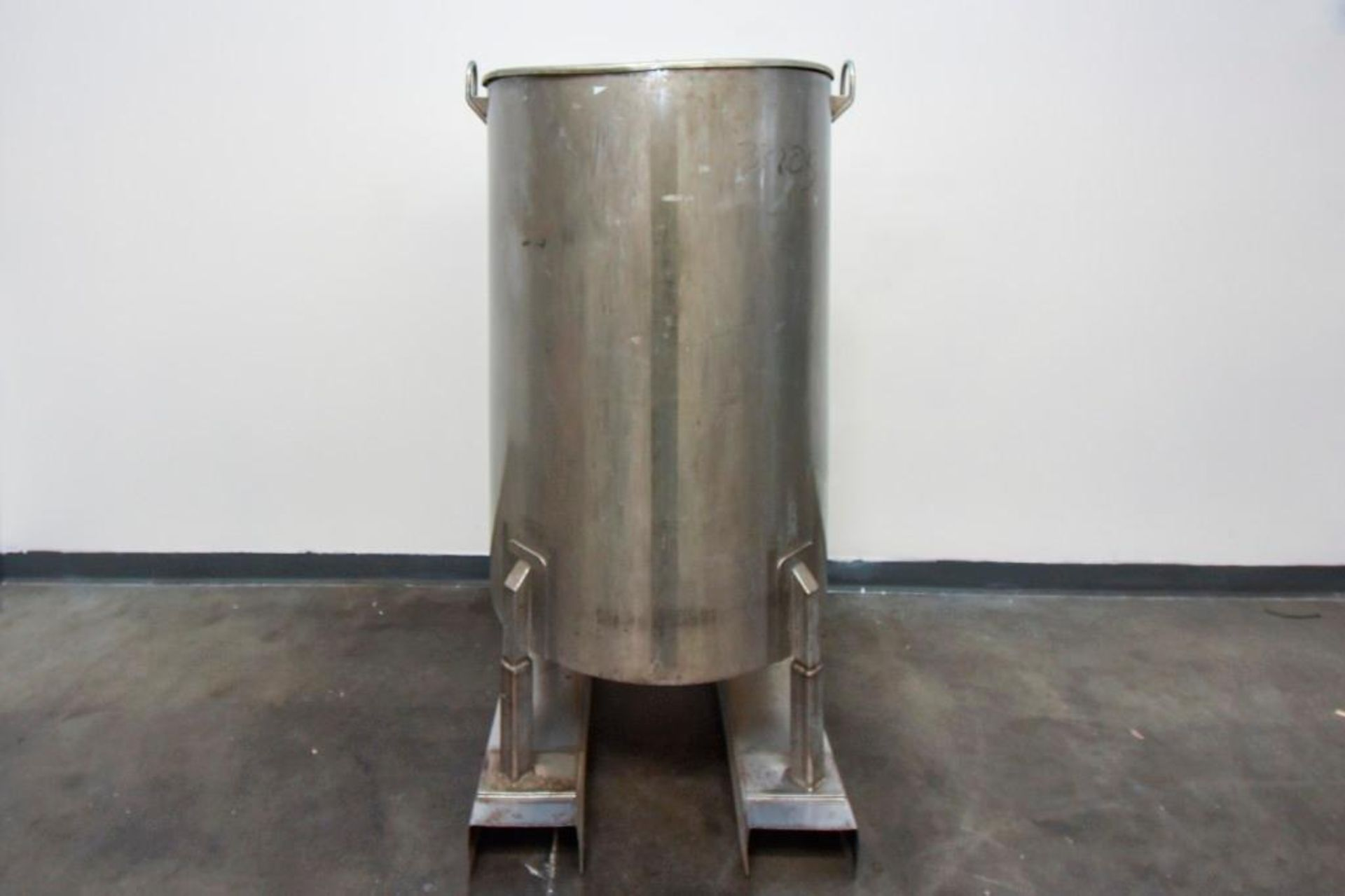 Jacketed Stainless Steel Holding Tank 340L - Image 5 of 13