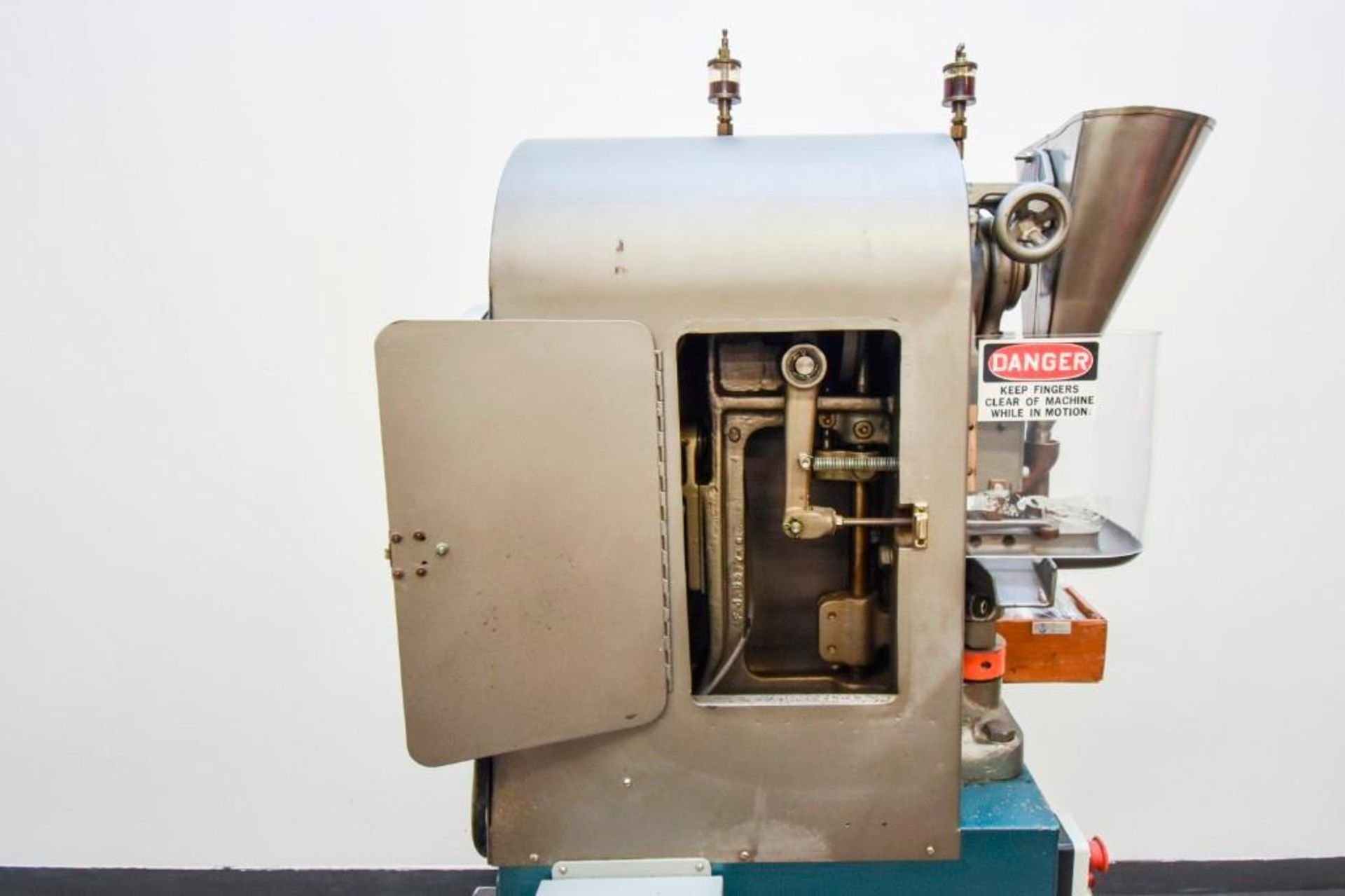 Stokes Single Punch Tablet Press with Tooling - Image 11 of 20