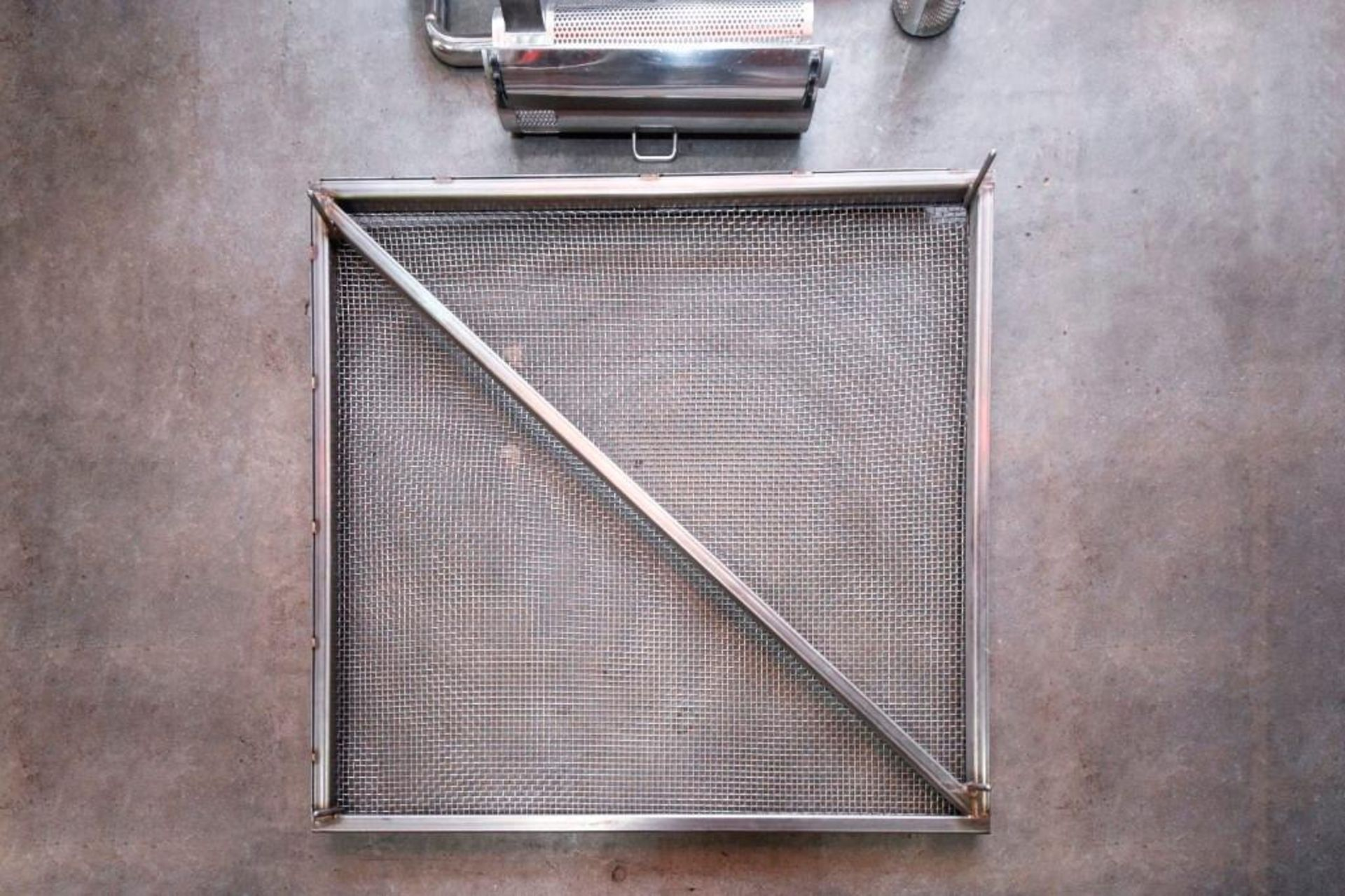 Screen and parts for Hopper and capsule deduster - Image 10 of 11