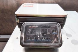 Avery Weigh-Tronix 2K830 Scale