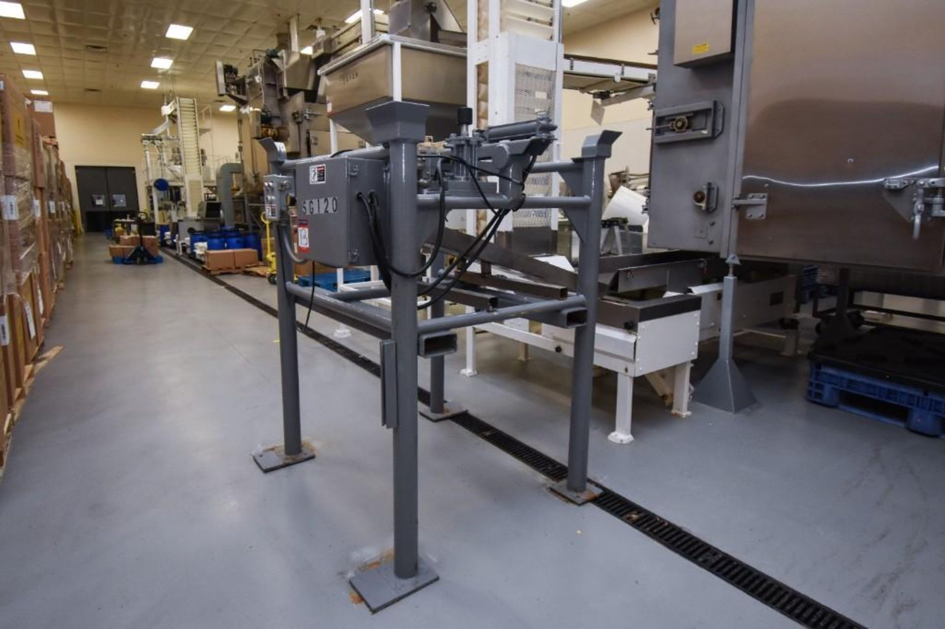 Vibratory Feeder For Totes - Image 2 of 7