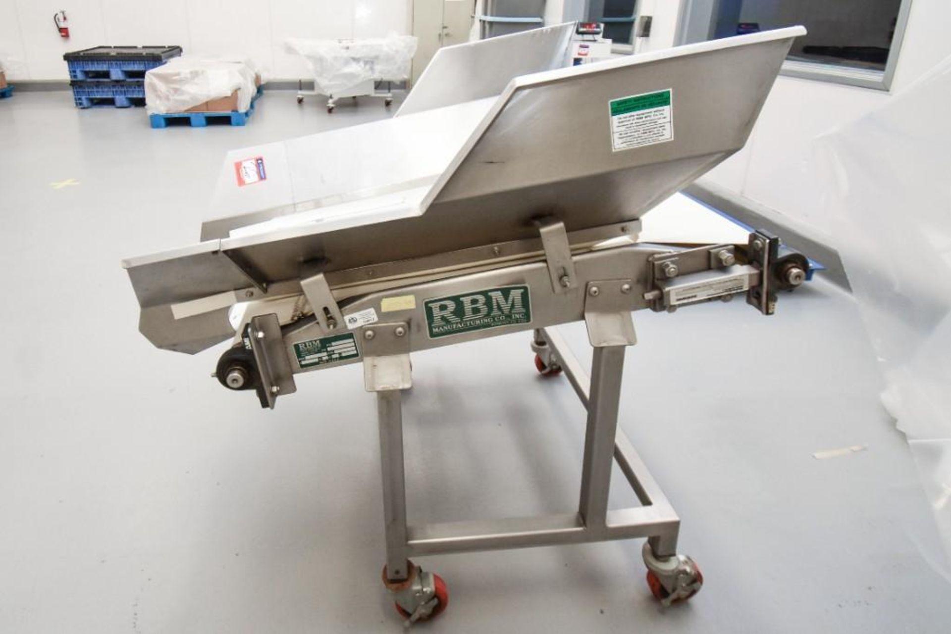 RBM Vibratory Deck With Food Grade Conveyor TS-B 24X3-0 - Image 6 of 7