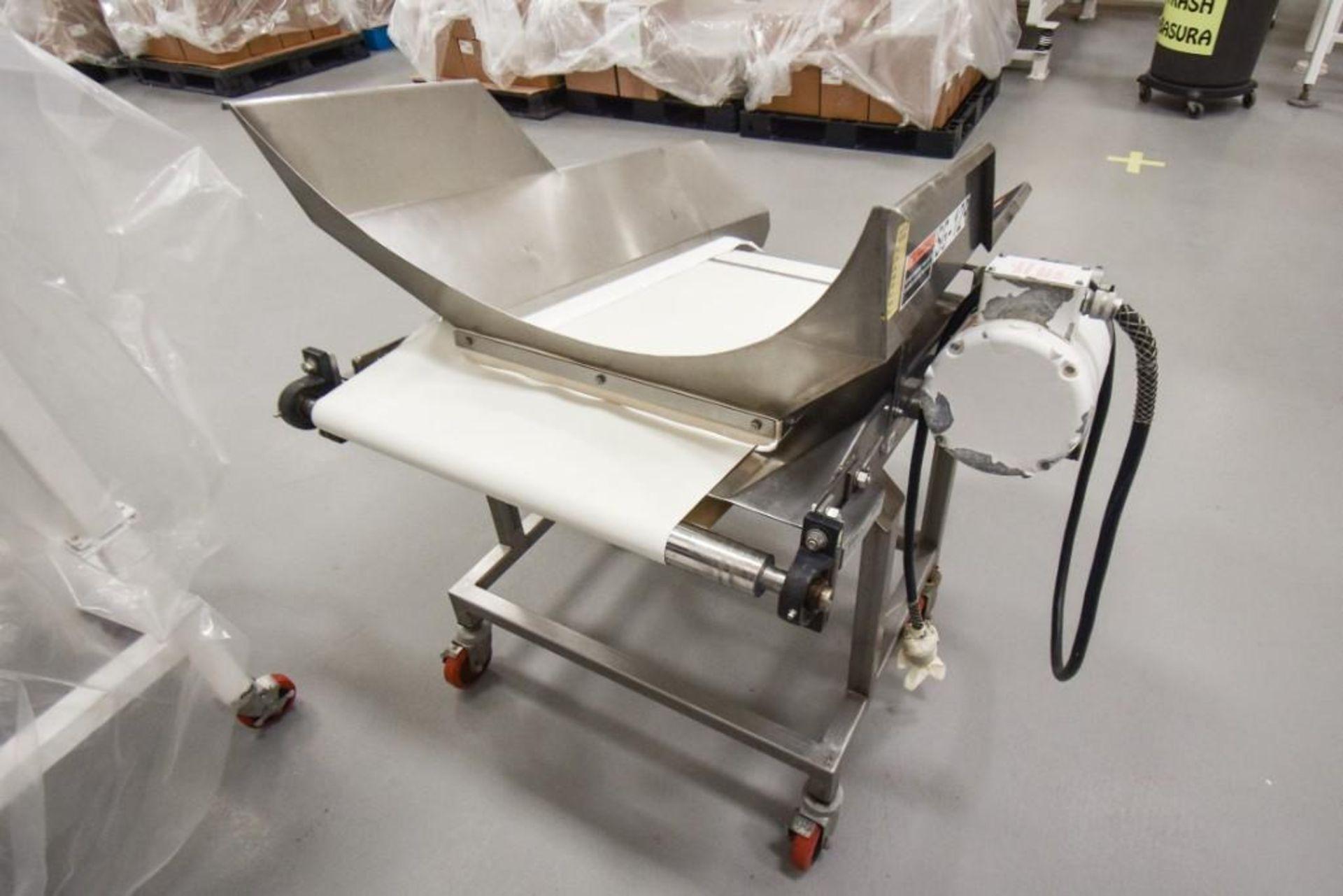 RBM Vibratory Deck With Food Grade Conveyor TS-B 24X3-0 - Image 4 of 7