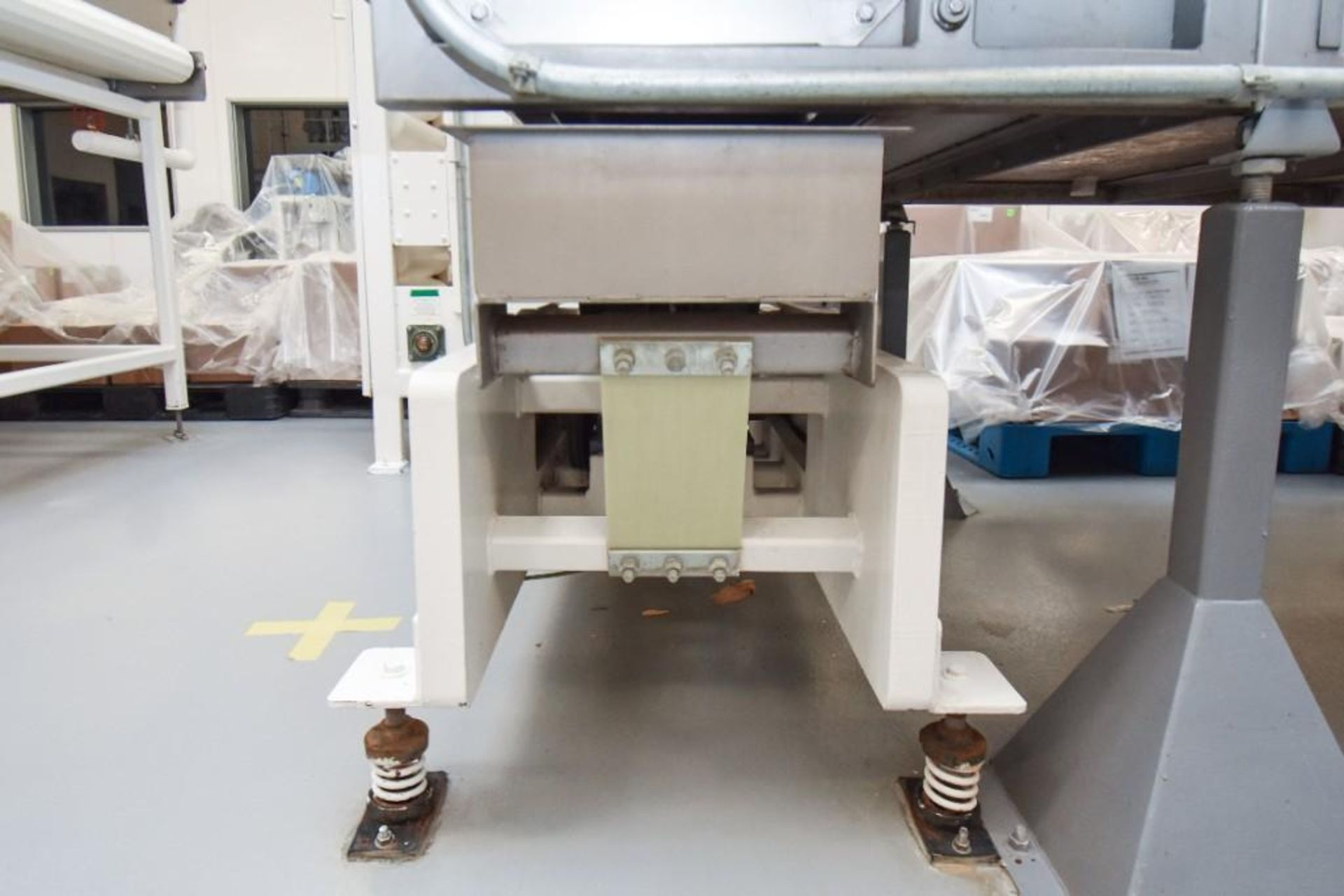 RBM Vibratory Deck VCNF-15X6X7 - Image 3 of 6