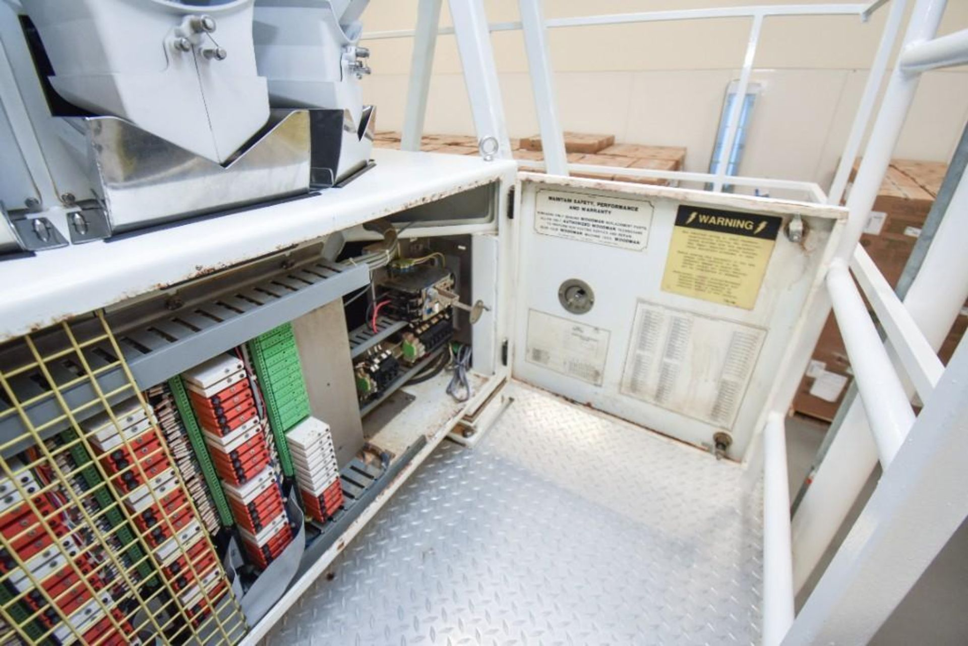 Woodman Spectra Weigh Scale With Vibratory Feeder - Image 7 of 14