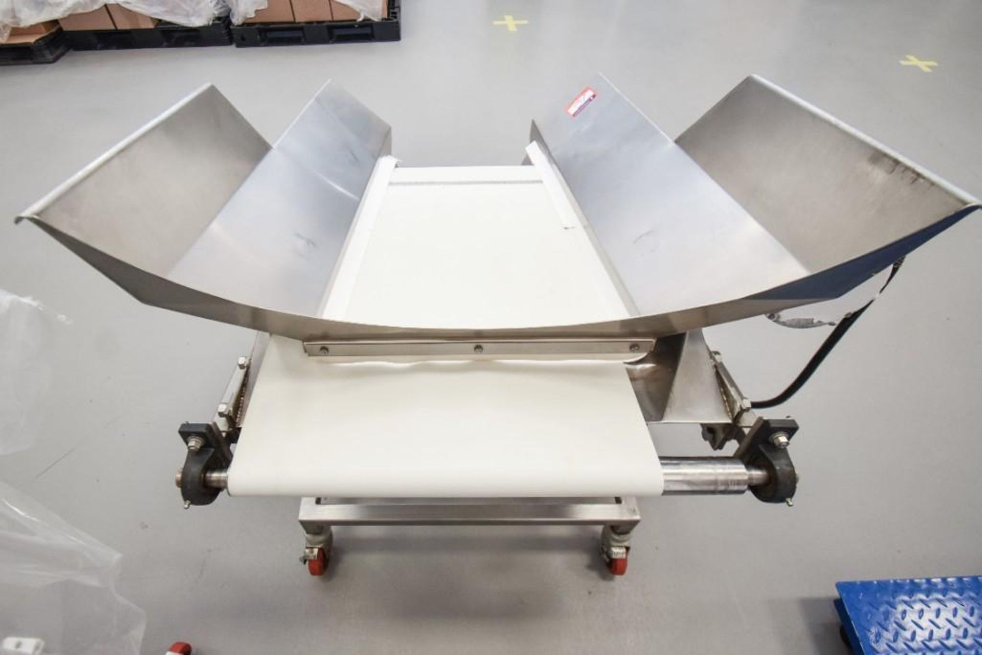 RBM Vibratory Deck With Food Grade Conveyor TS-B 24X3-0 - Image 5 of 7