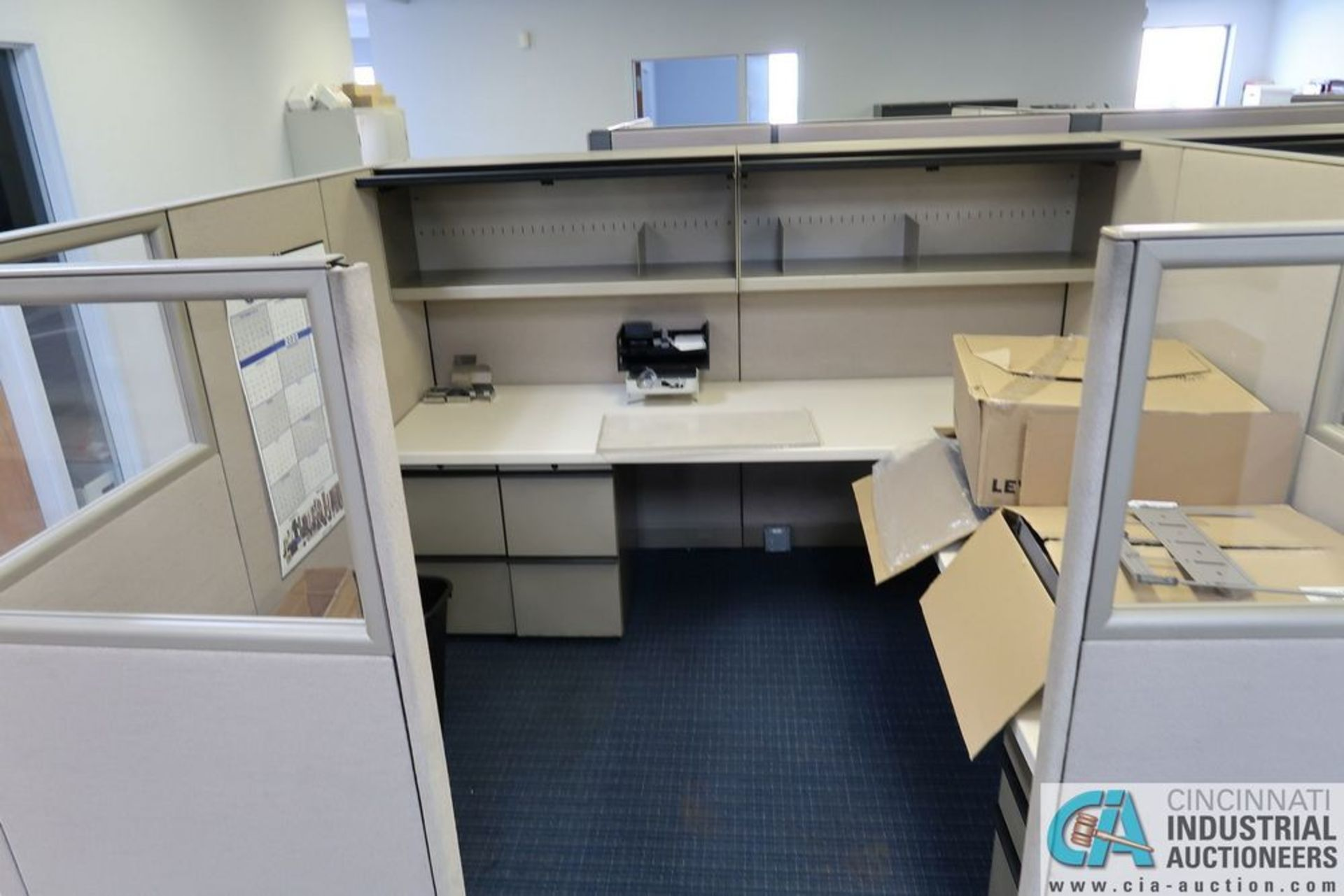 "(LOT) OFFICE CUBICLES, (2) 72"" X 72"", (2) 100"" X 92"", (2) 112"" X 96"", (1) 216"" X 72"" - Image 7 of 10"